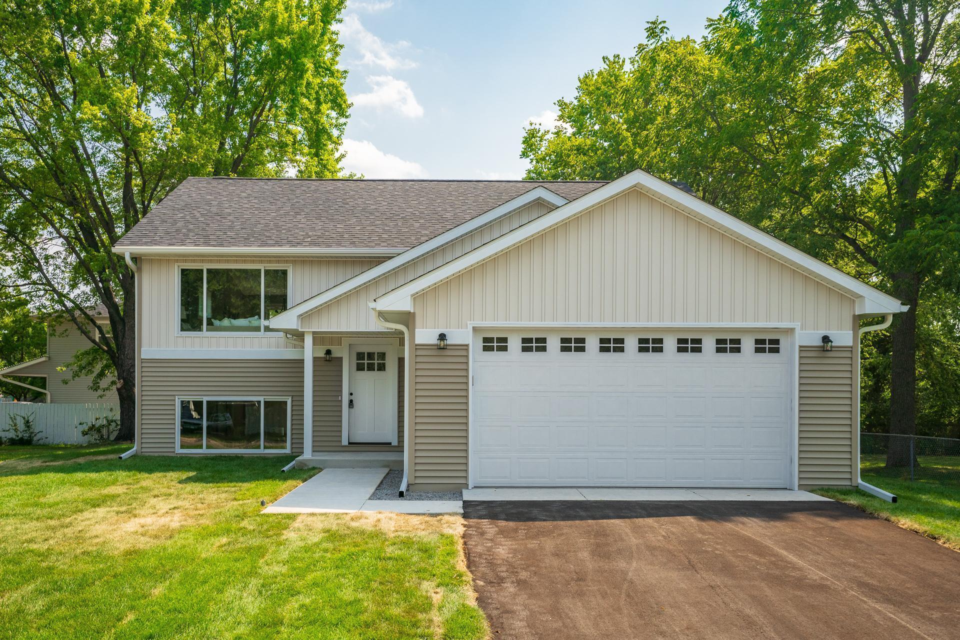 678 Randal Drive Property Photo