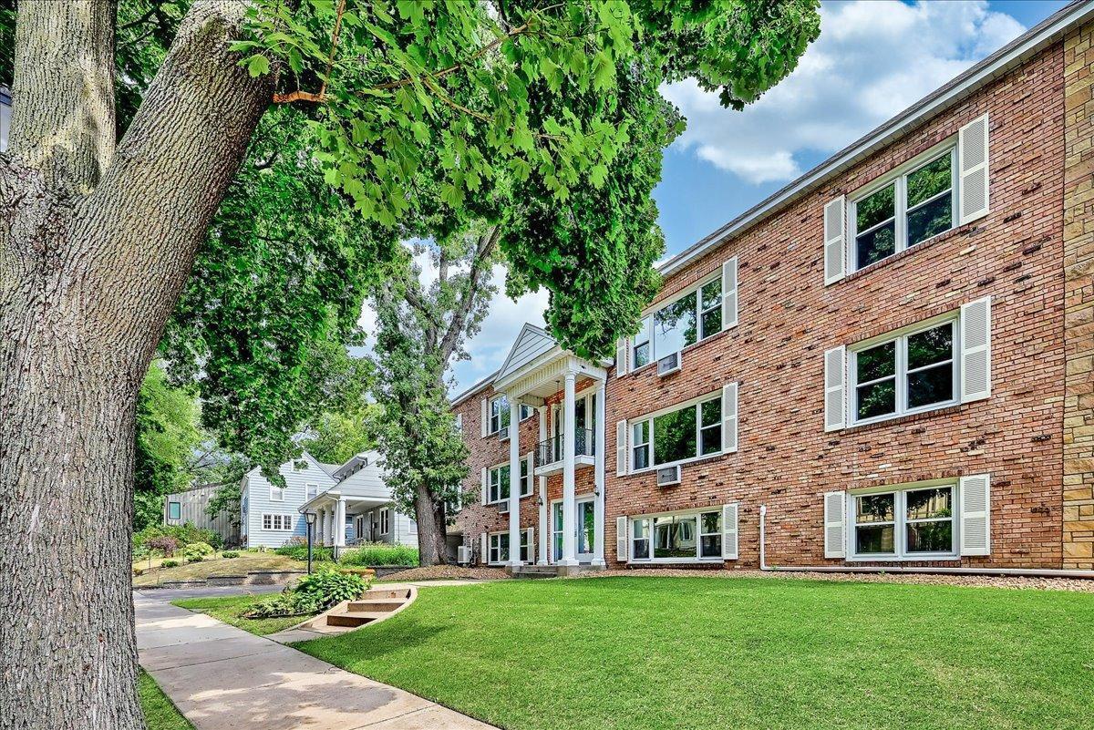 401 Ridgewood Avenue Property Photo