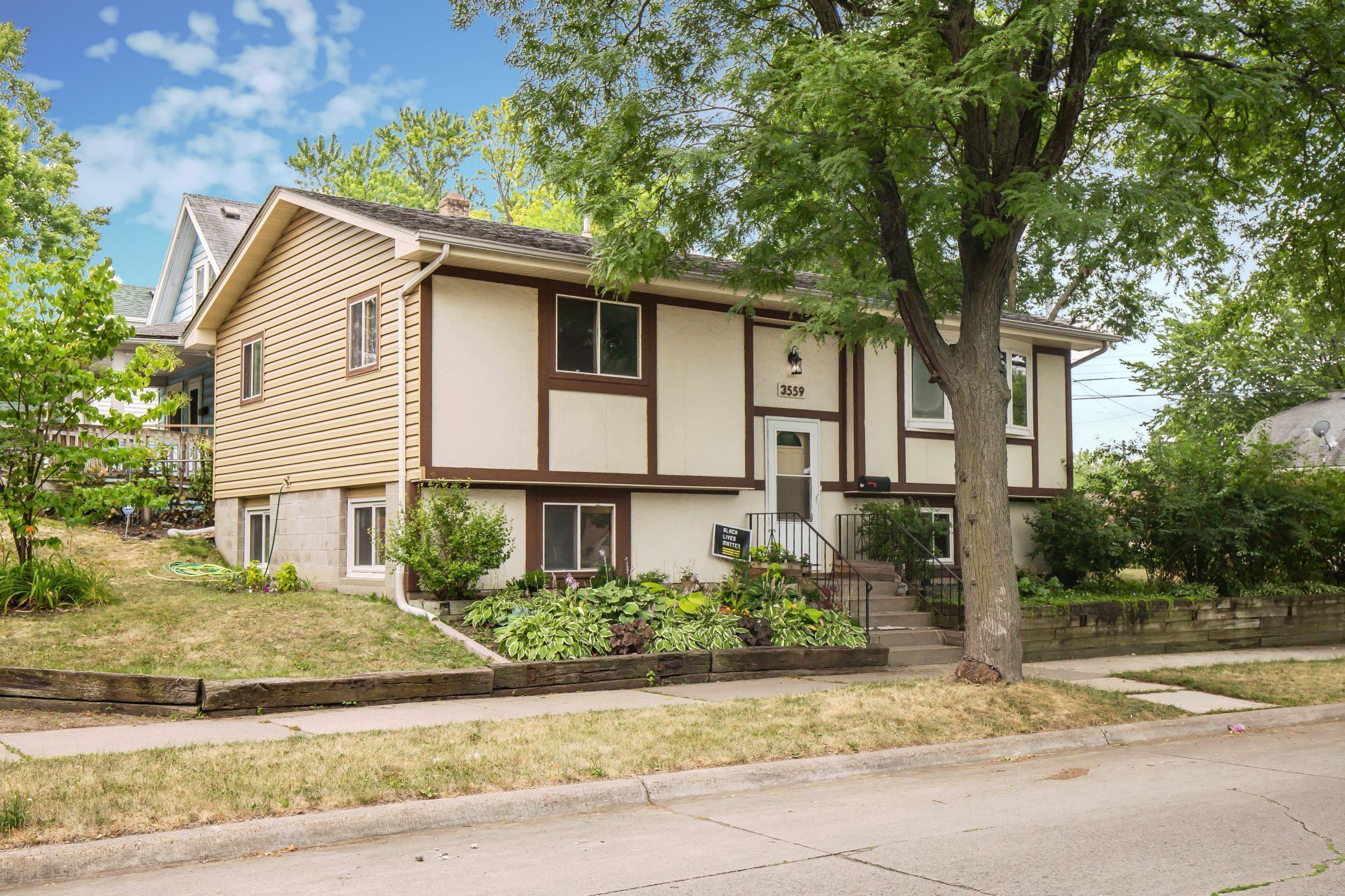 3559 Thomas Avenue Property Photo