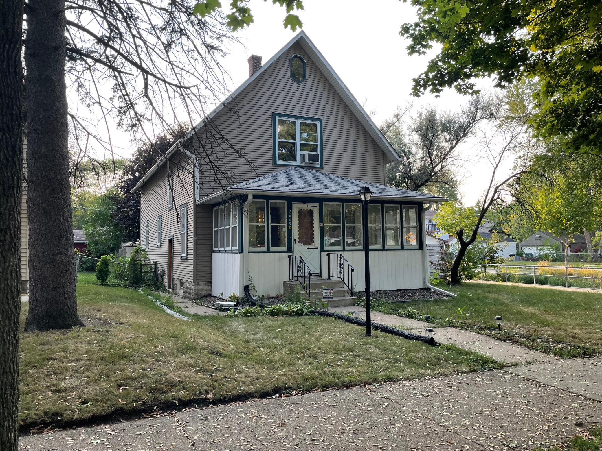 3649 Oliver Avenue Property Photo