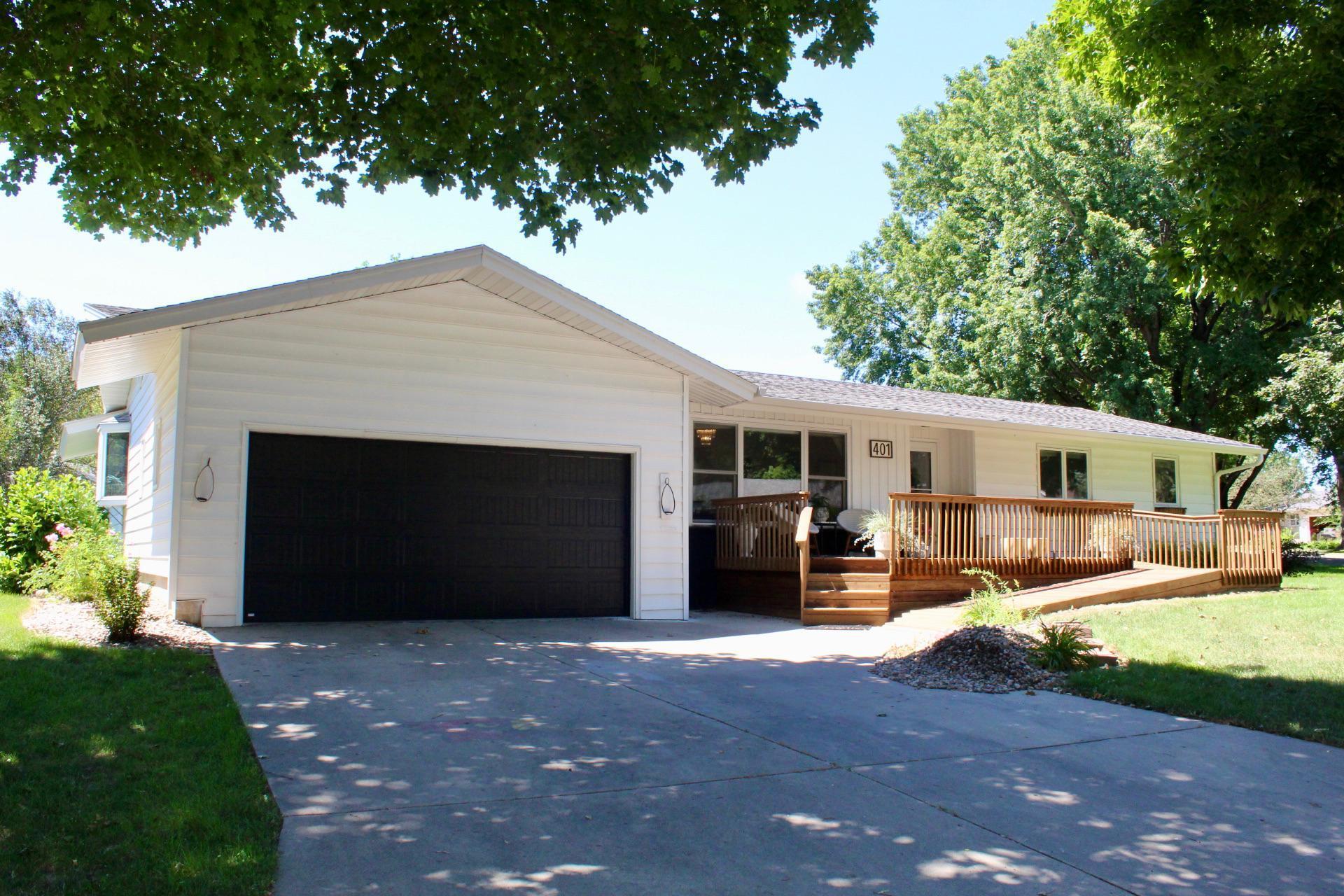 401 Central Lane Property Photo