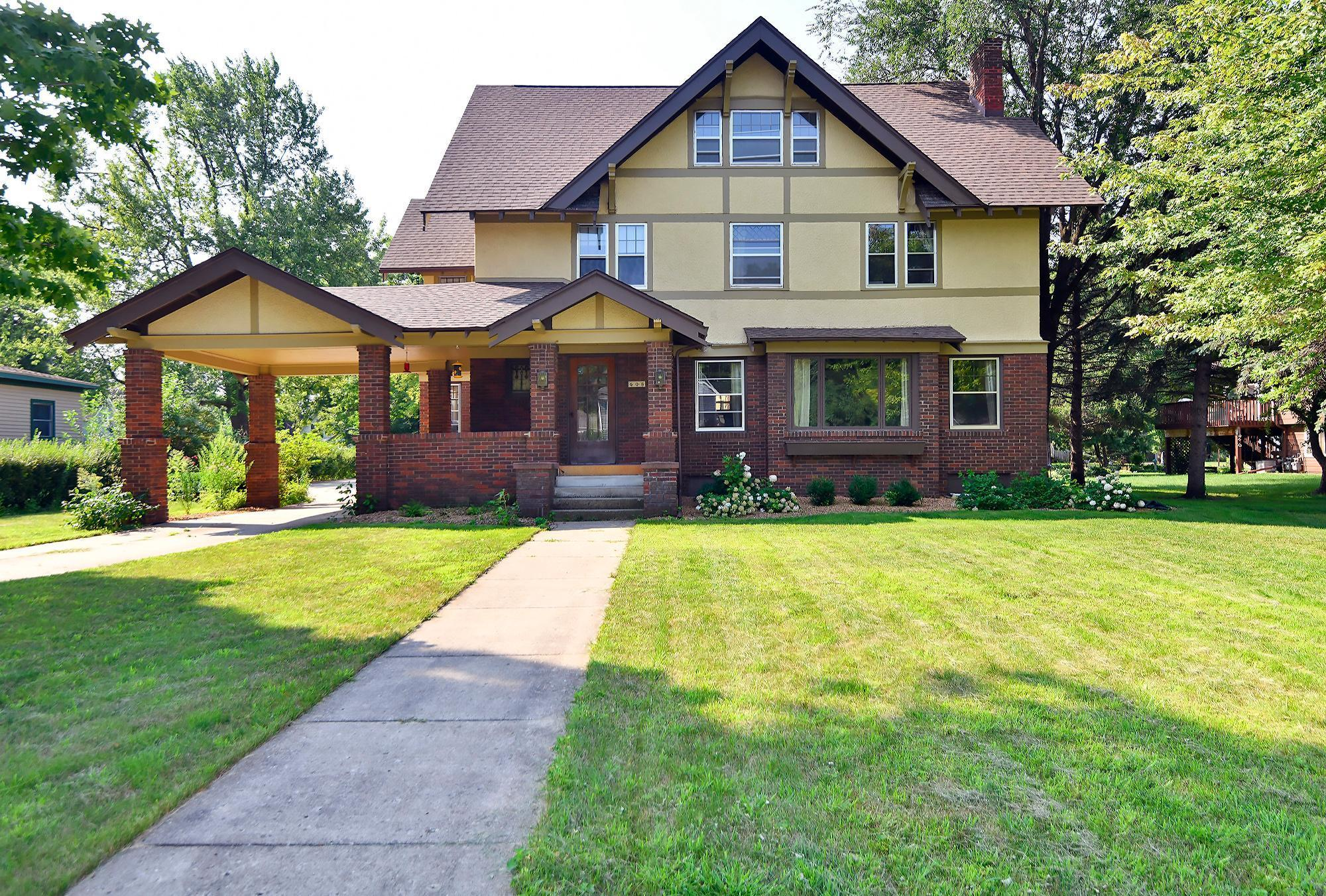 608 Elm Avenue Property Photo