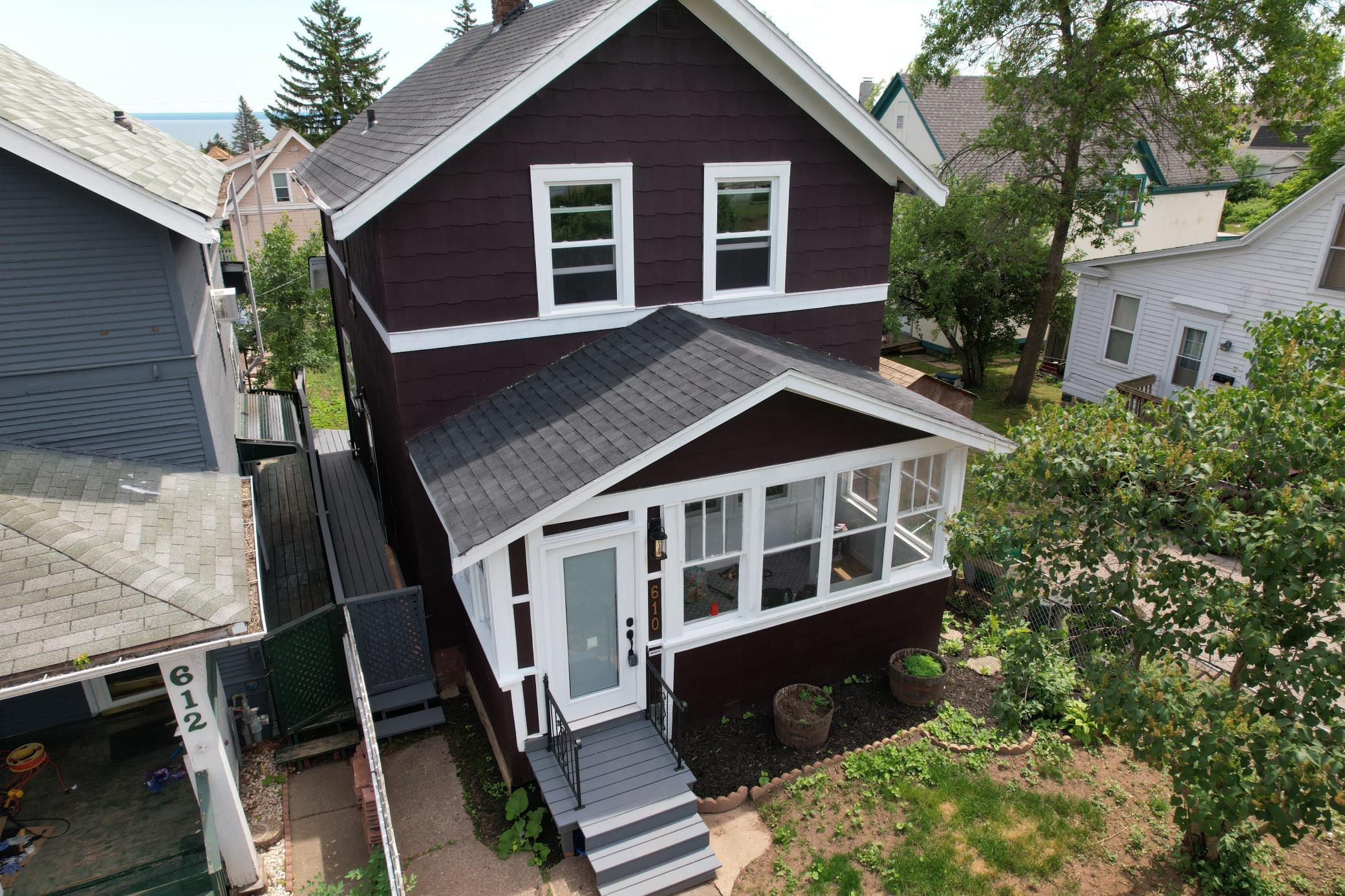 610 E 8th Street Property Photo