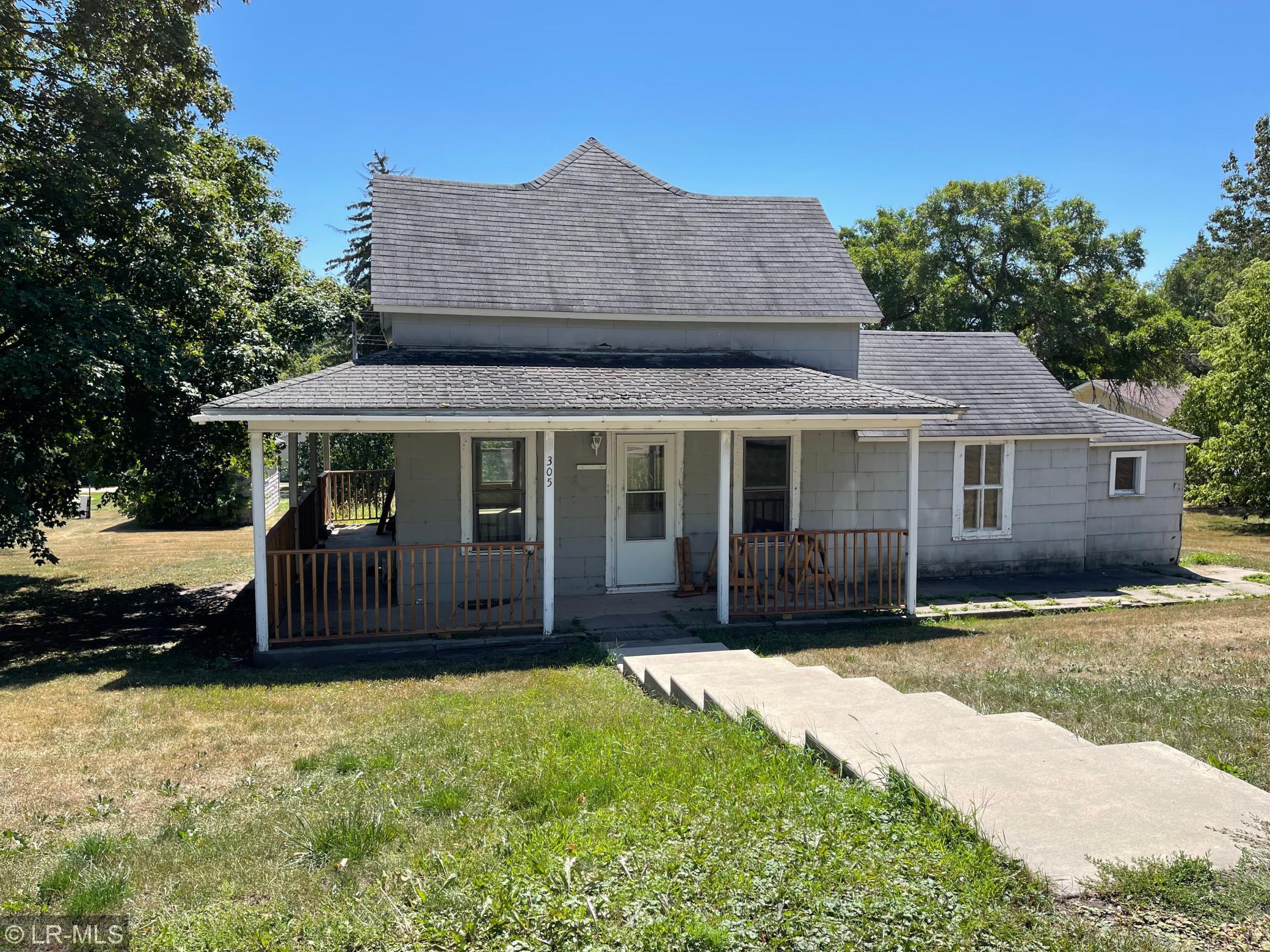 305 W Summit Street Property Photo