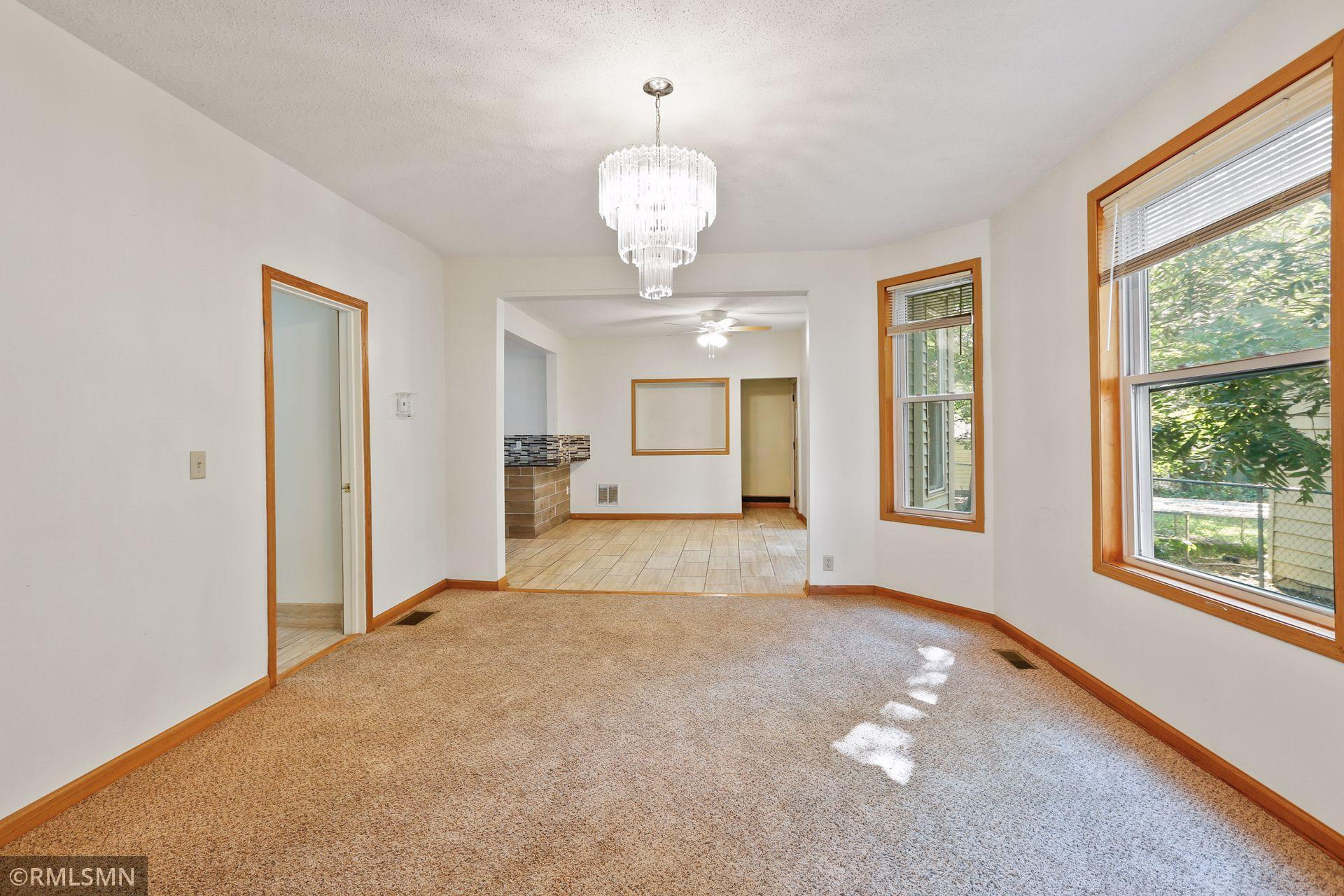 1418 N Irving Avenue Property Photo