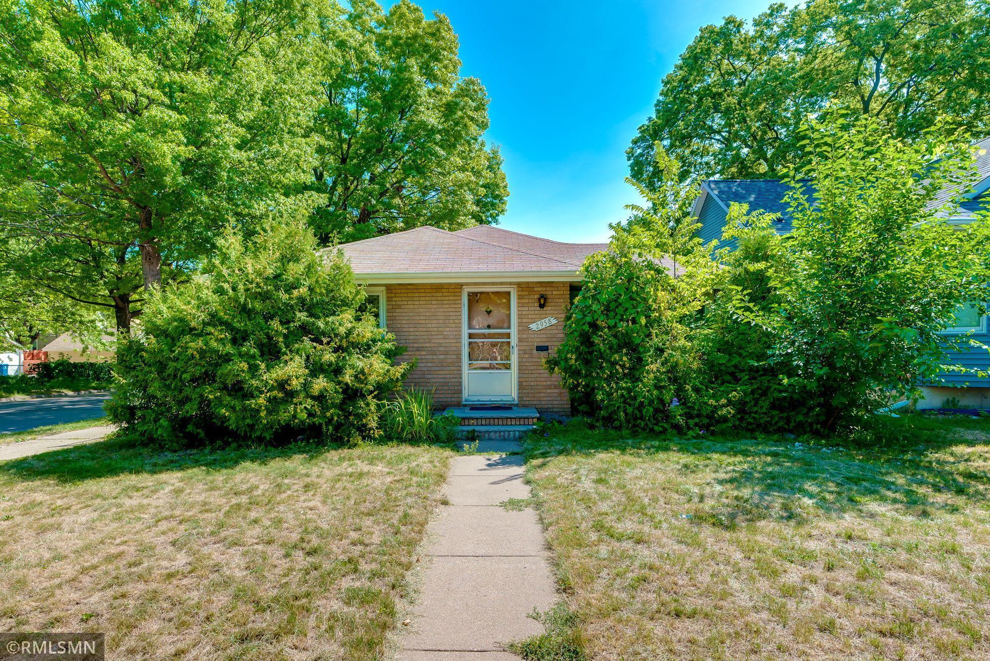2958 Thomas Avenue Property Photo