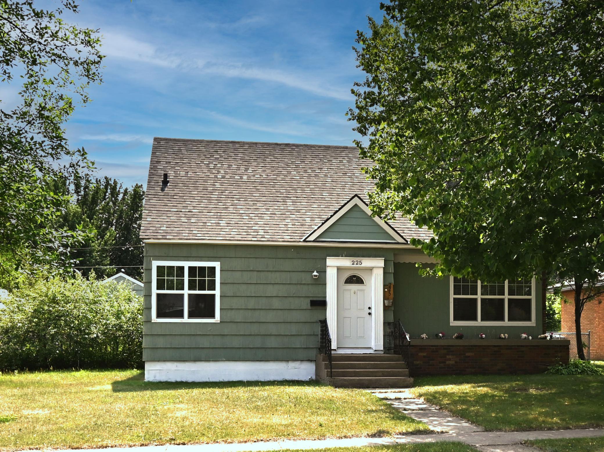 Chisholm Real Estate Listings Main Image
