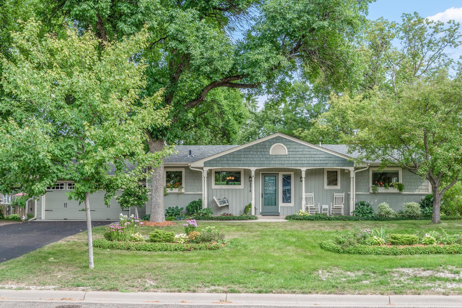 Bacchus Lakeridge Real Estate Listings Main Image