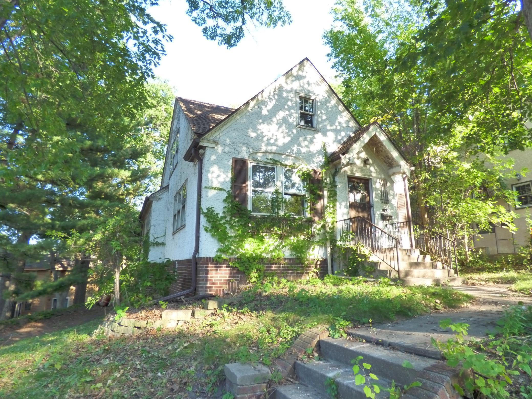 1115 Washburn Avenue Property Photo