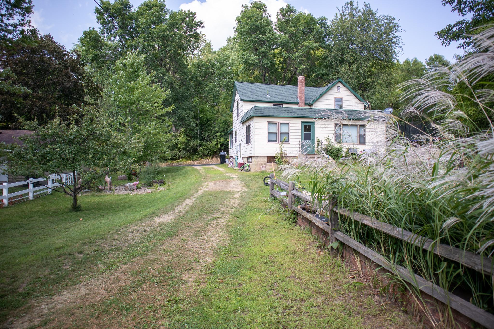 217 E Elm Street Property Photo