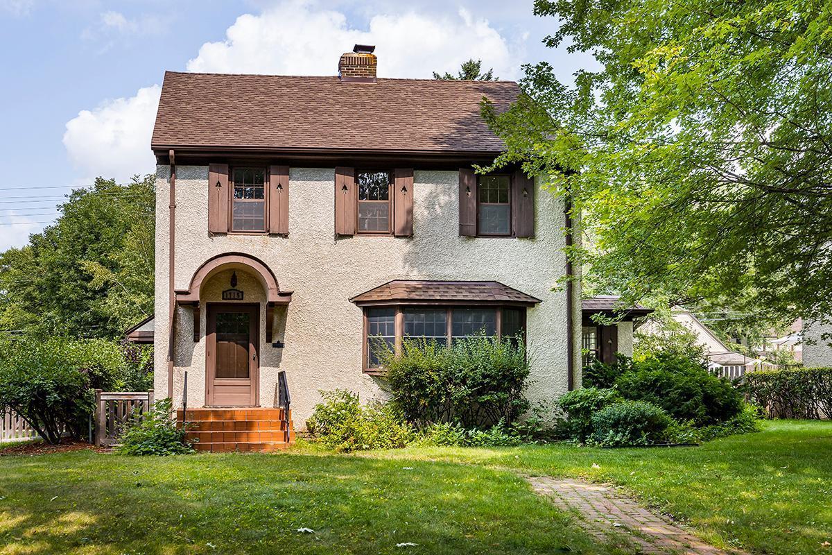 1715 Pinehurst Avenue Property Photo