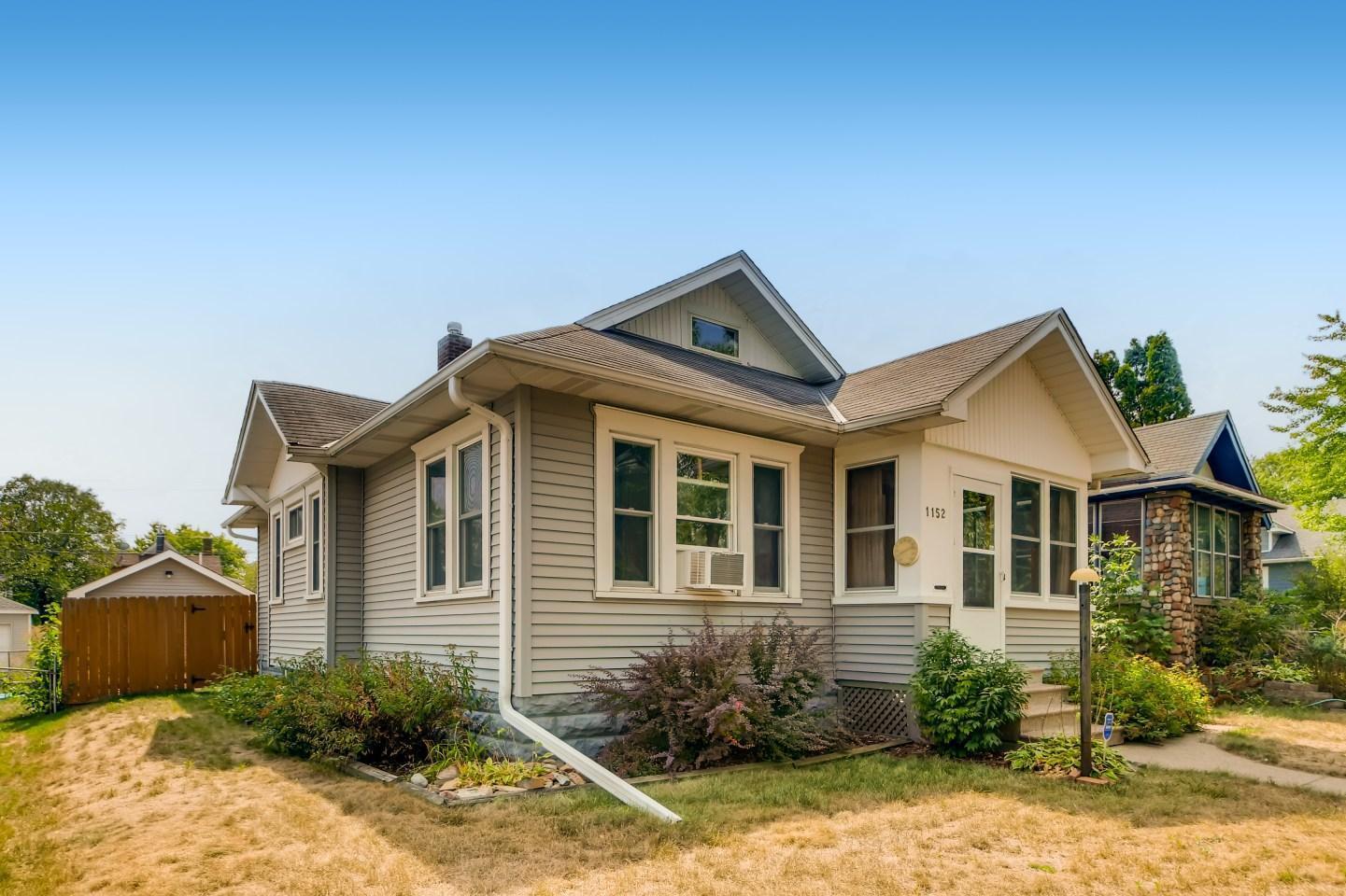 1152 Charles Avenue Property Photo
