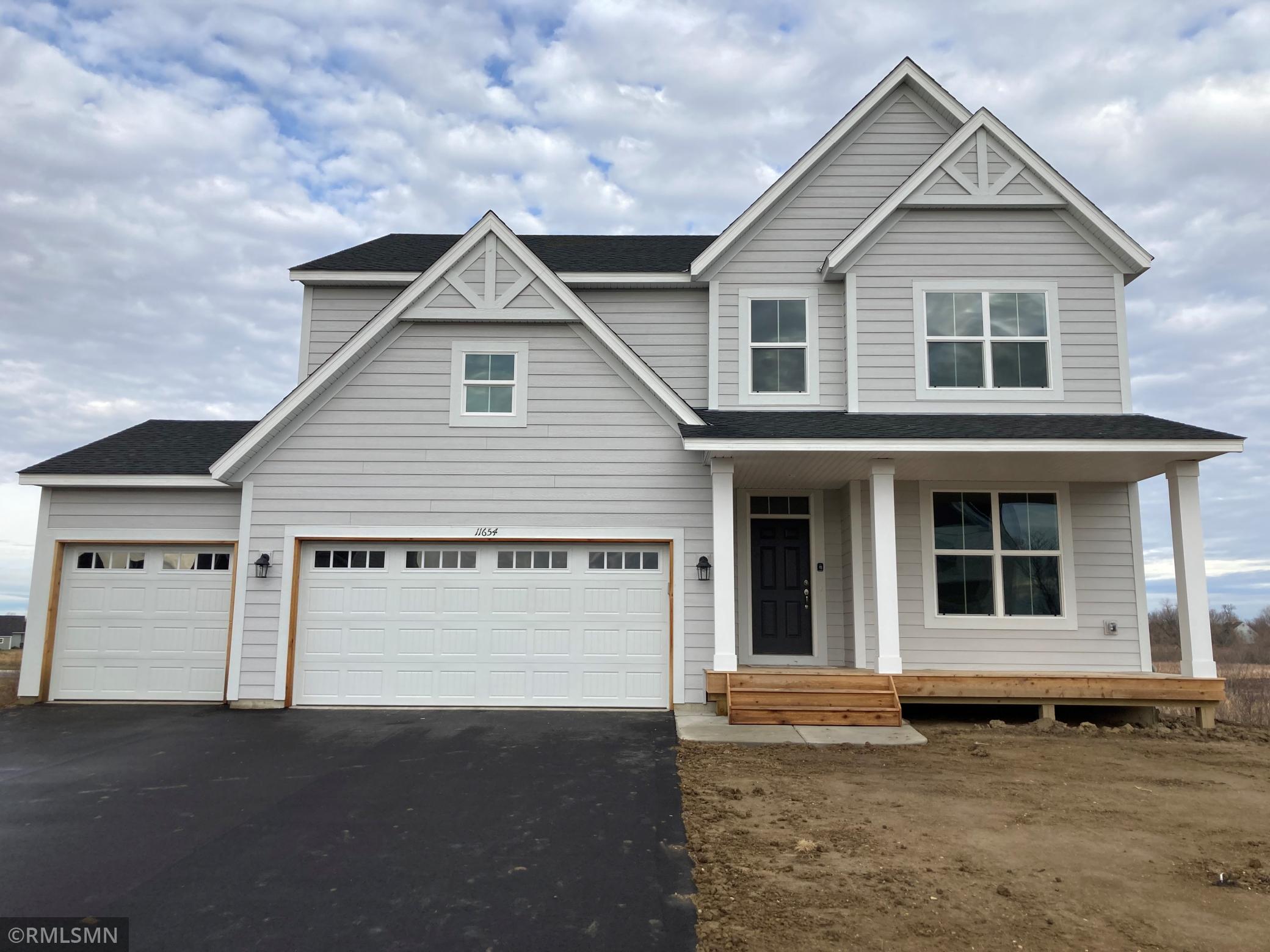 11654 Lakewood Circle Property Photo
