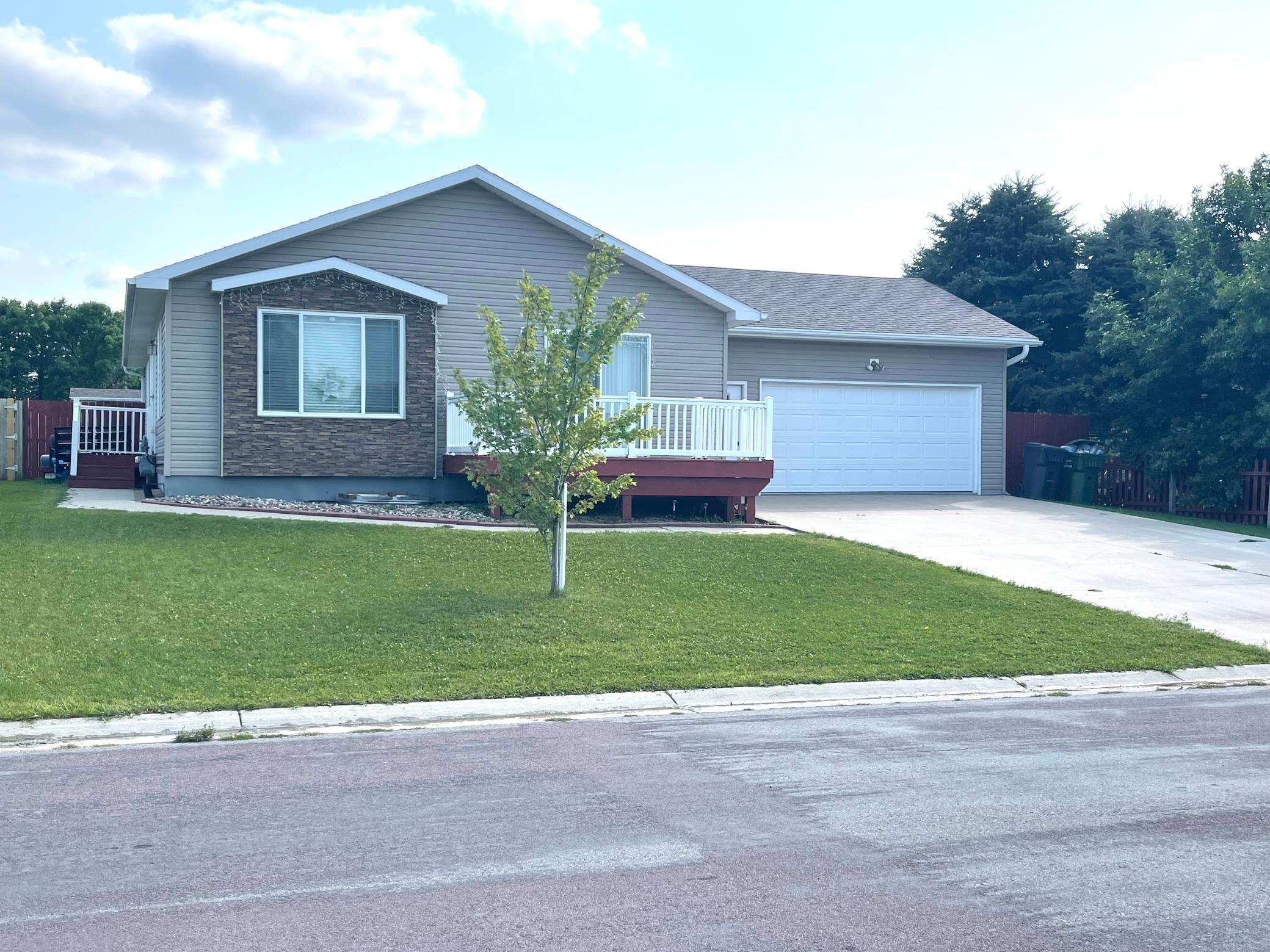 2118 Castlewood Drive Property Photo