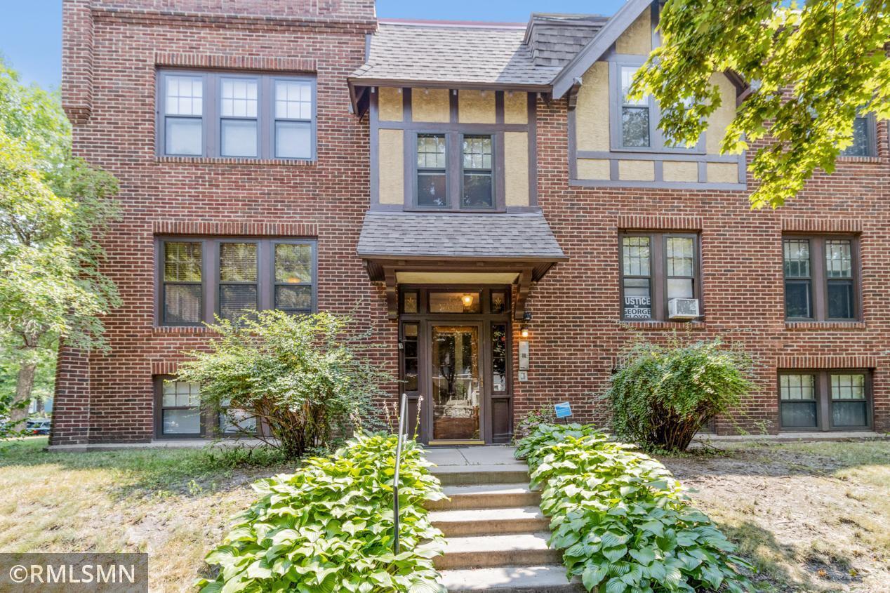 Apt Own No37 Victoria Condo Real Estate Listings Main Image