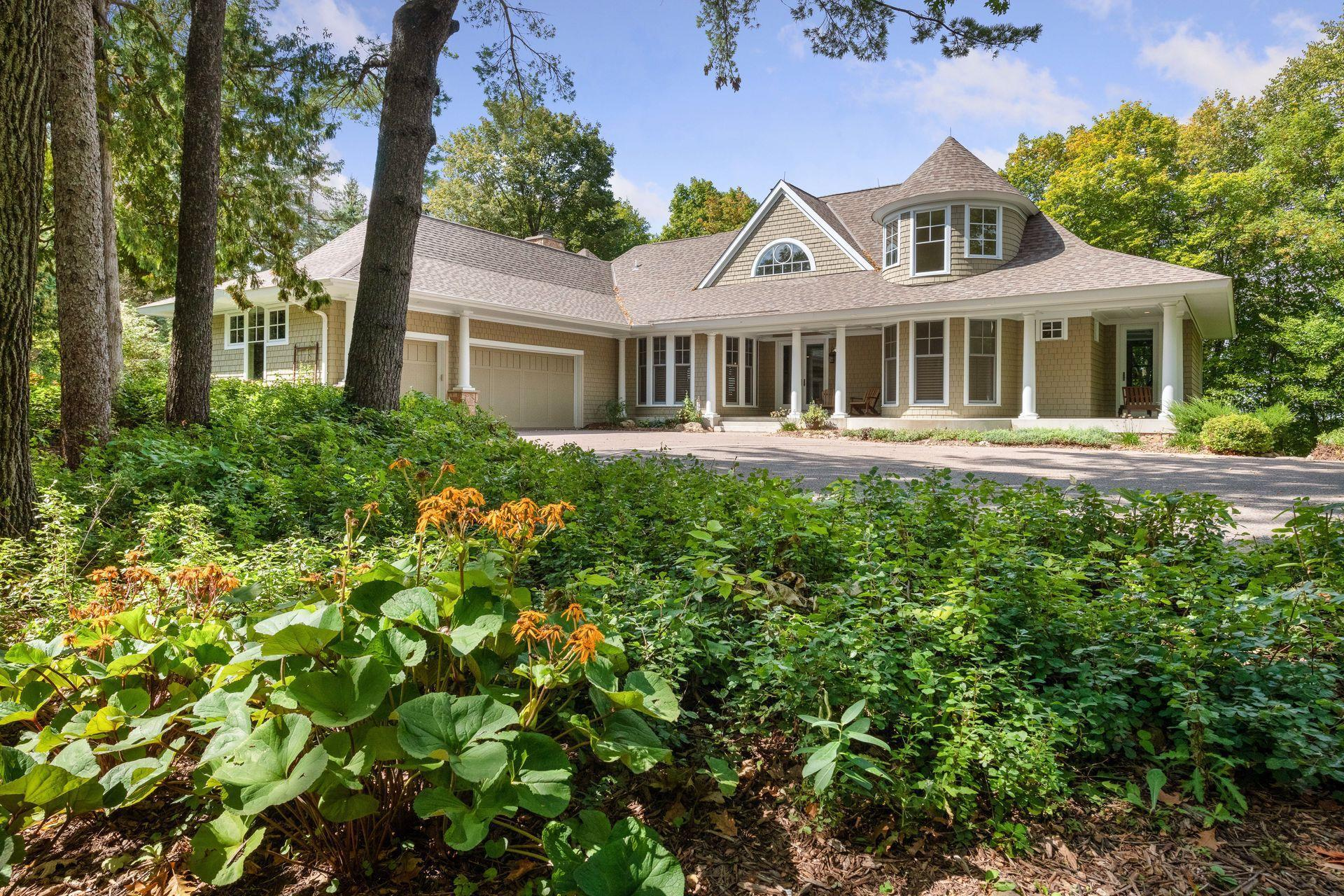 5840 Ridge Road Property Photo 1