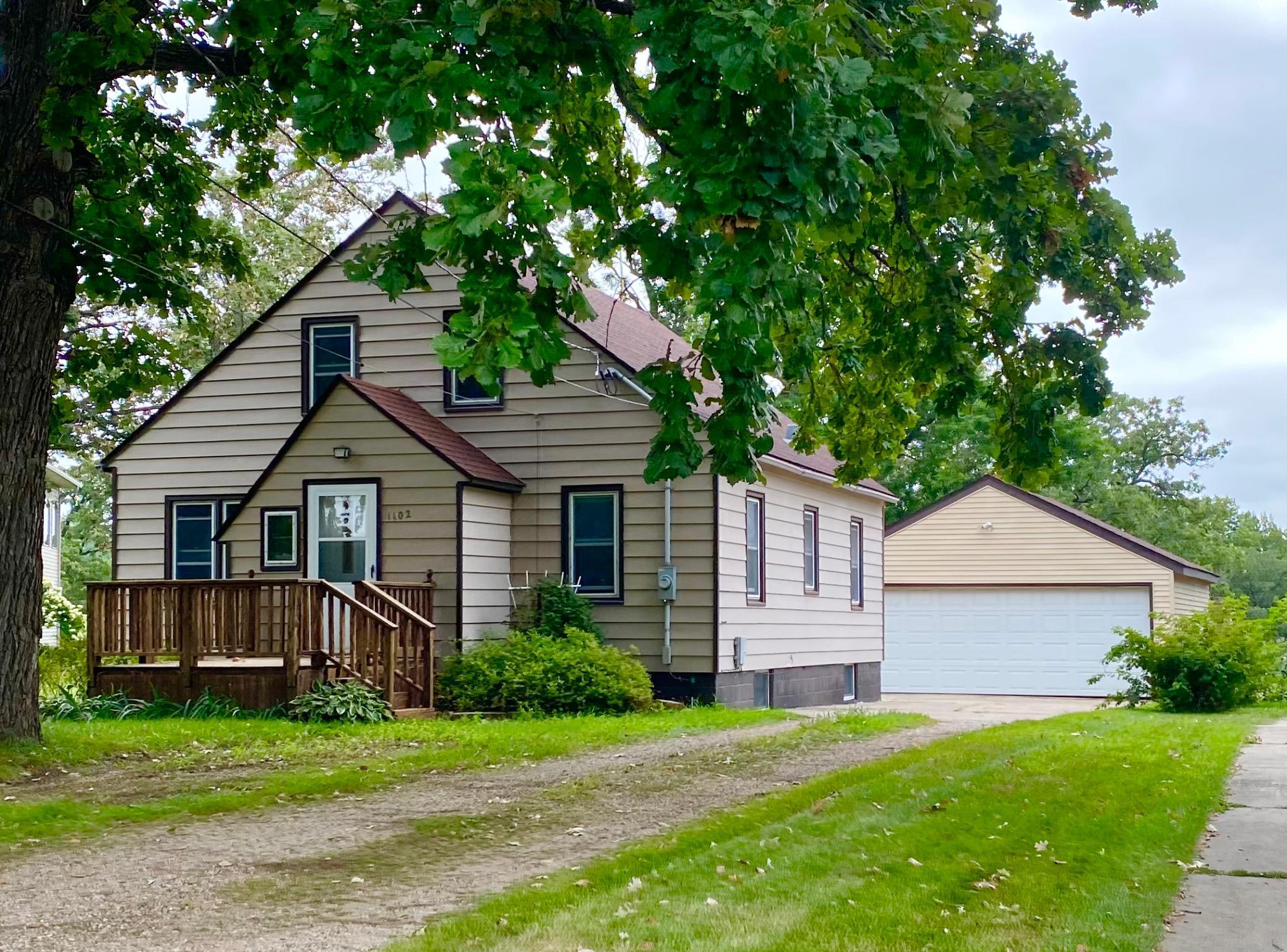 1102 Shore Acres Drive Property Photo