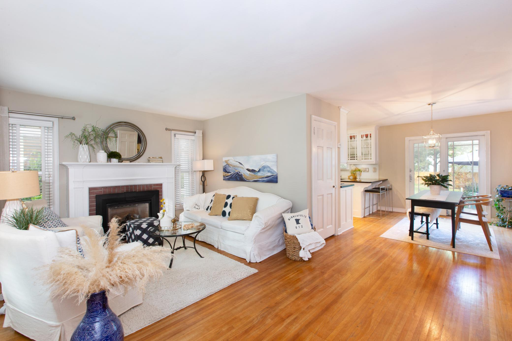 5325 Bryant Avenue Property Photo