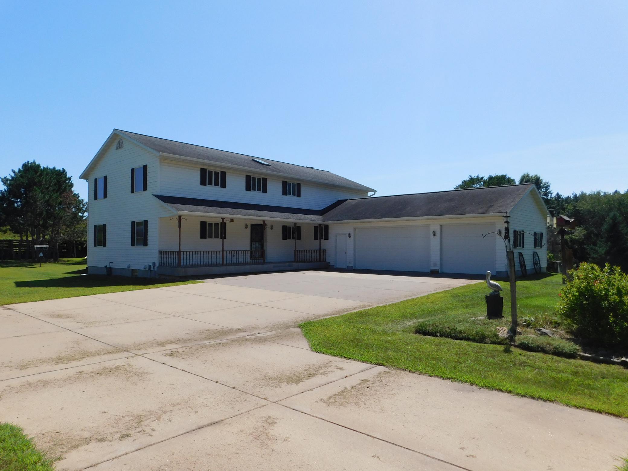 E5534 County Road Bb Property Photo 1