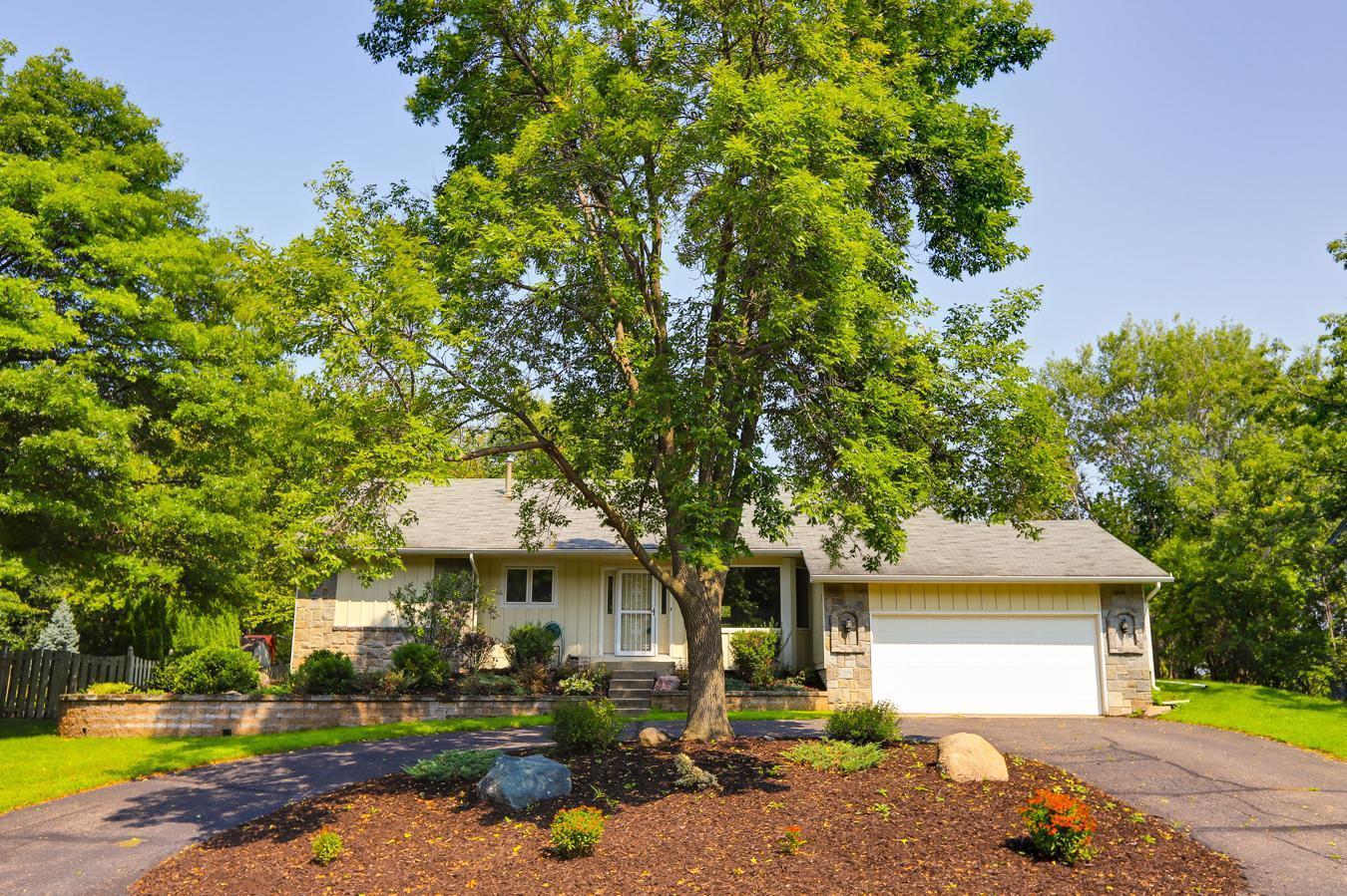 2089 Pin Oak Drive Property Photo