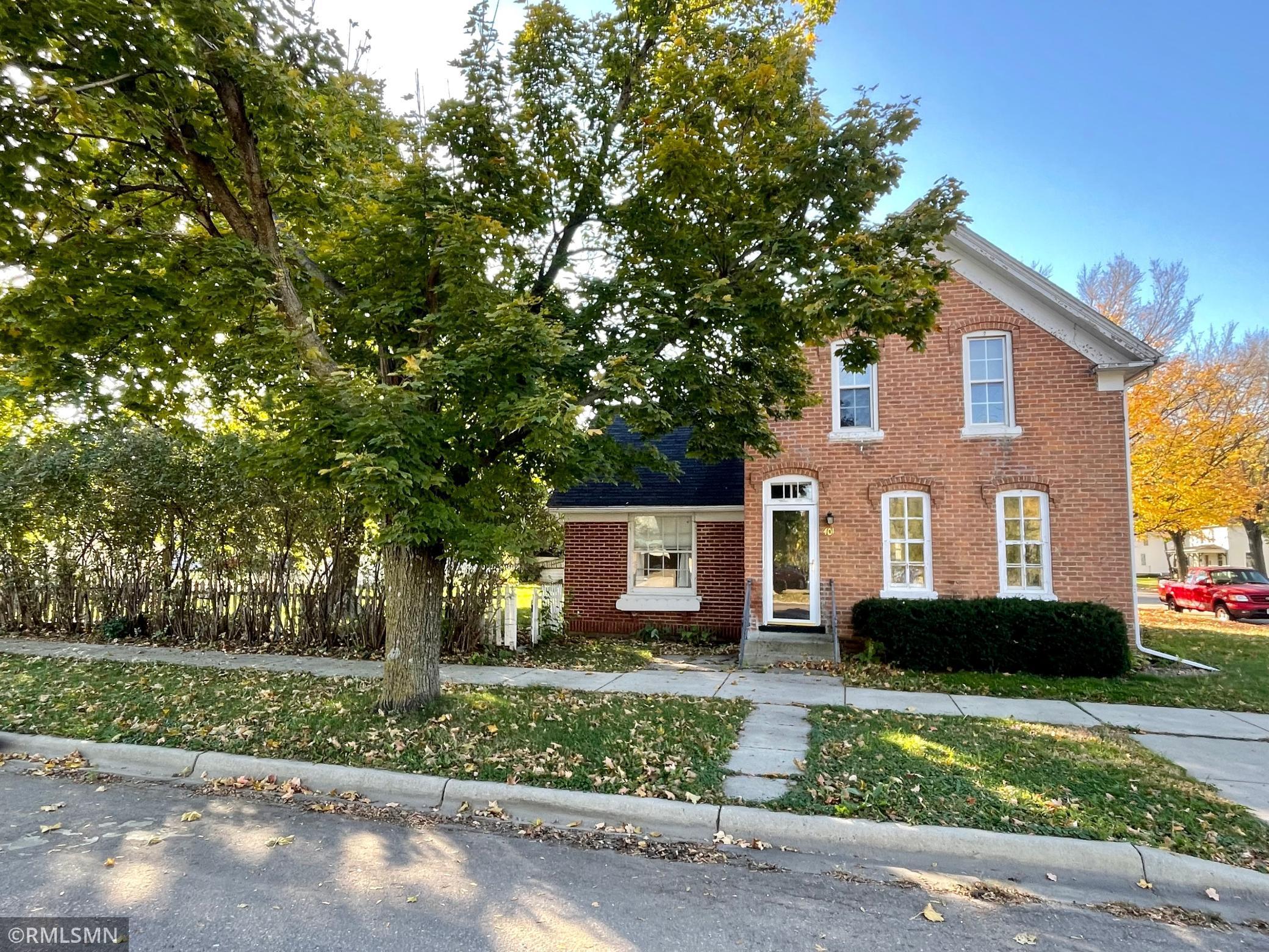 401 E Main Street Property Photo