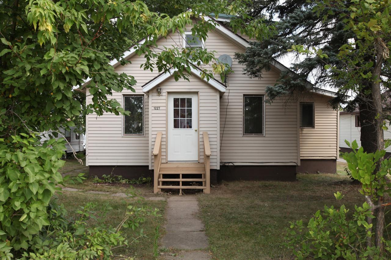 E 1227 Camp Street Property Photo