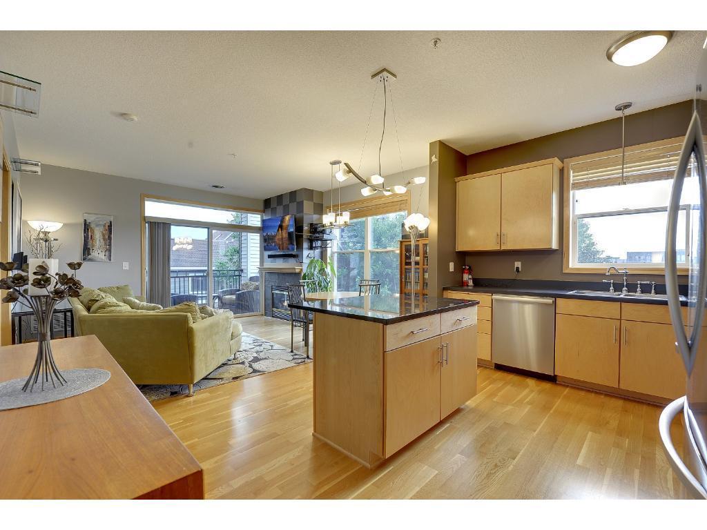 301 Oak Grove Street Property Photo
