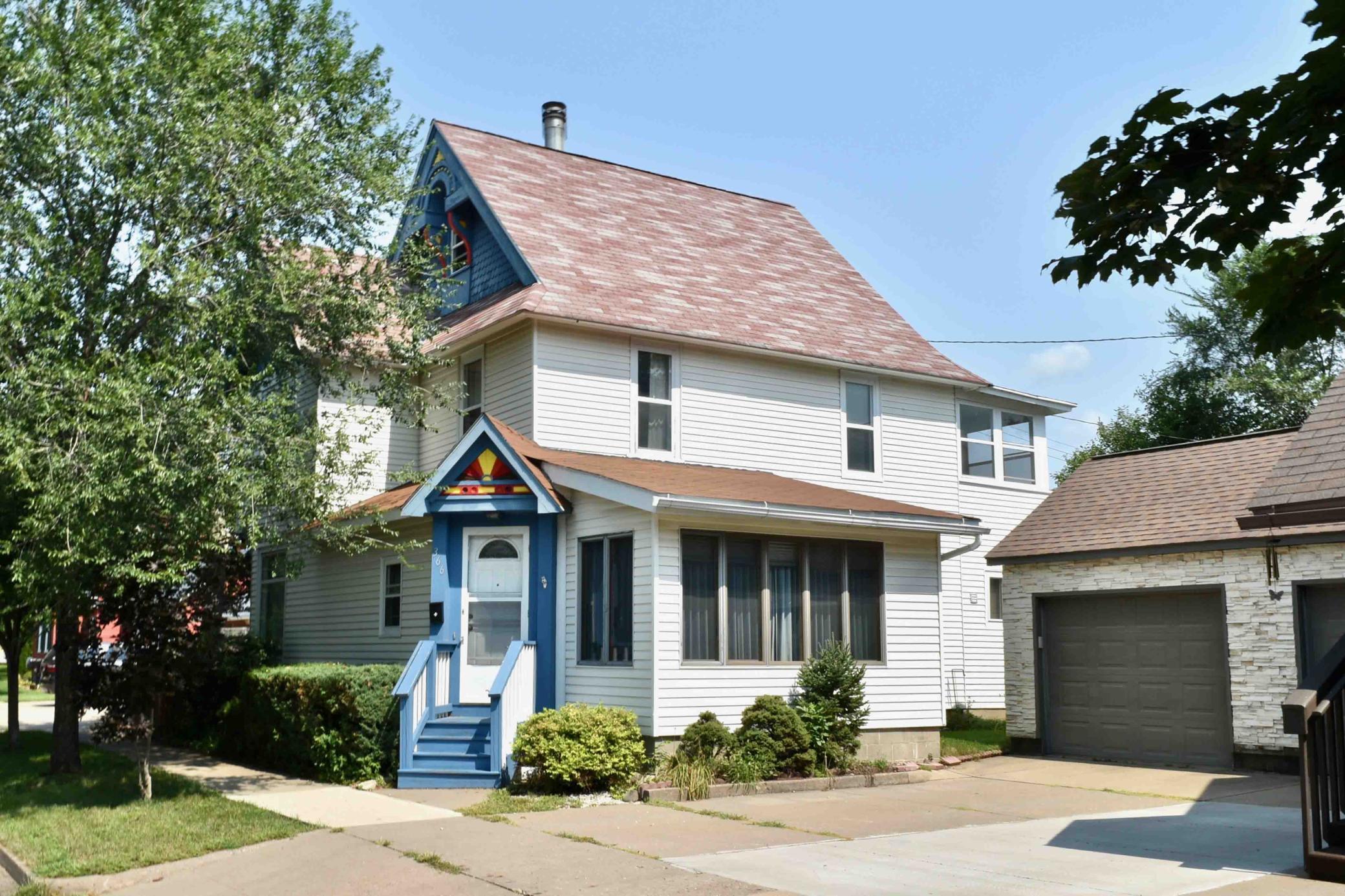 366 Kansas Street Property Photo 1