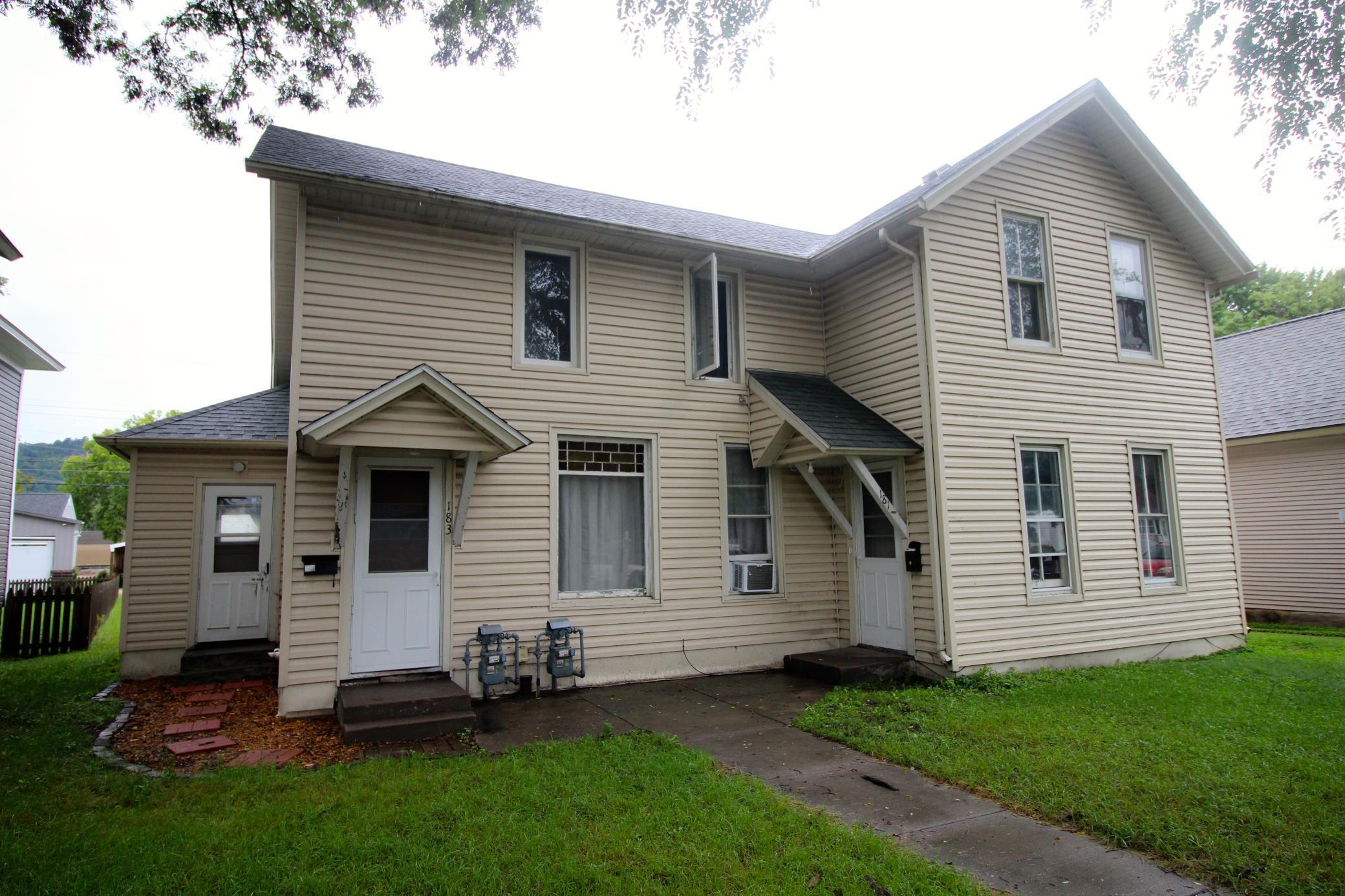 181 E Howard Street Property Photo 1
