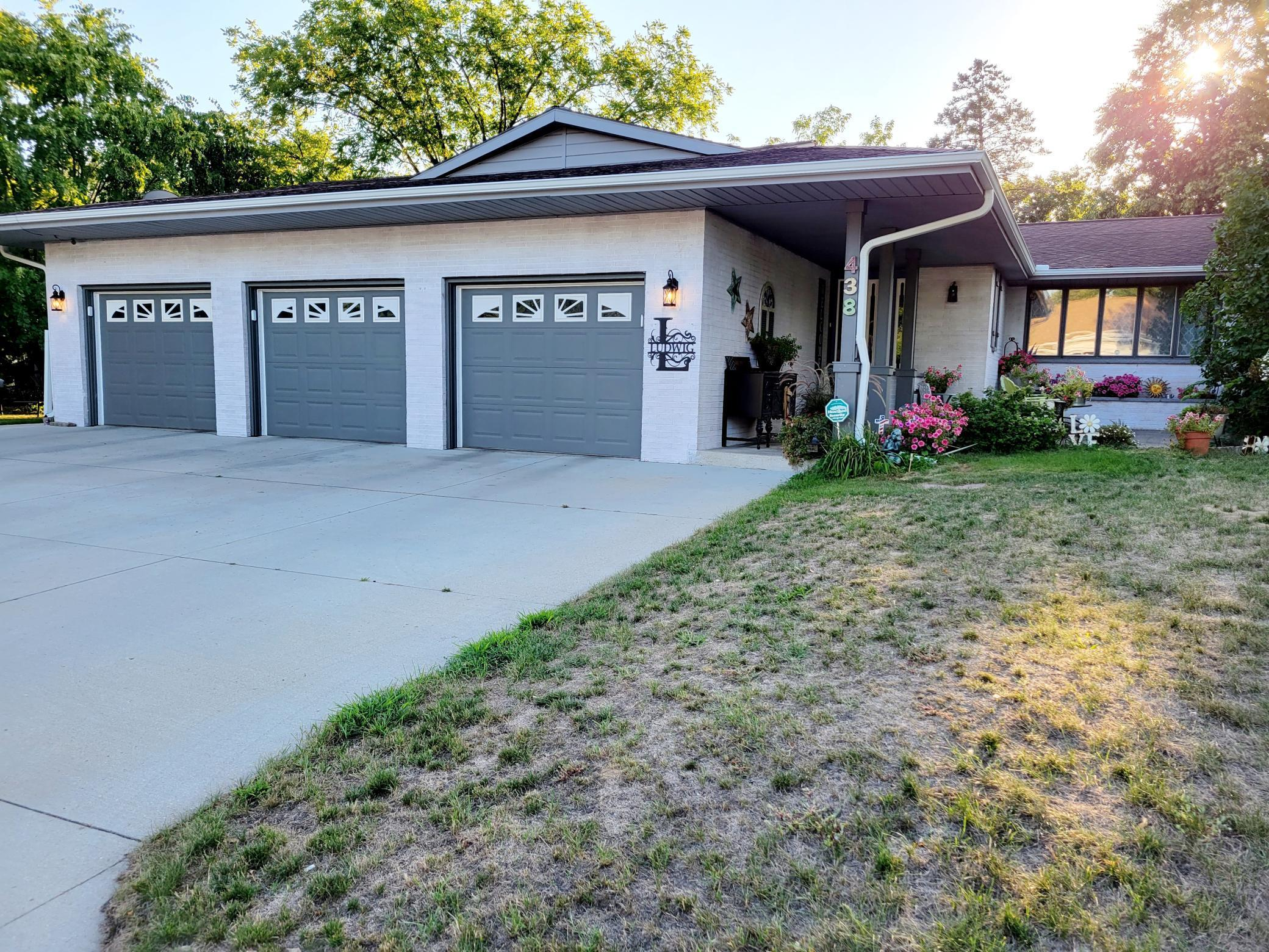 438 Brooks Street Property Photo