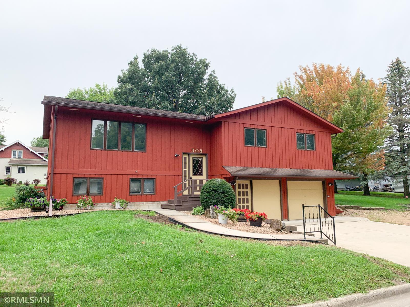 308 E Brooks Street Property Photo