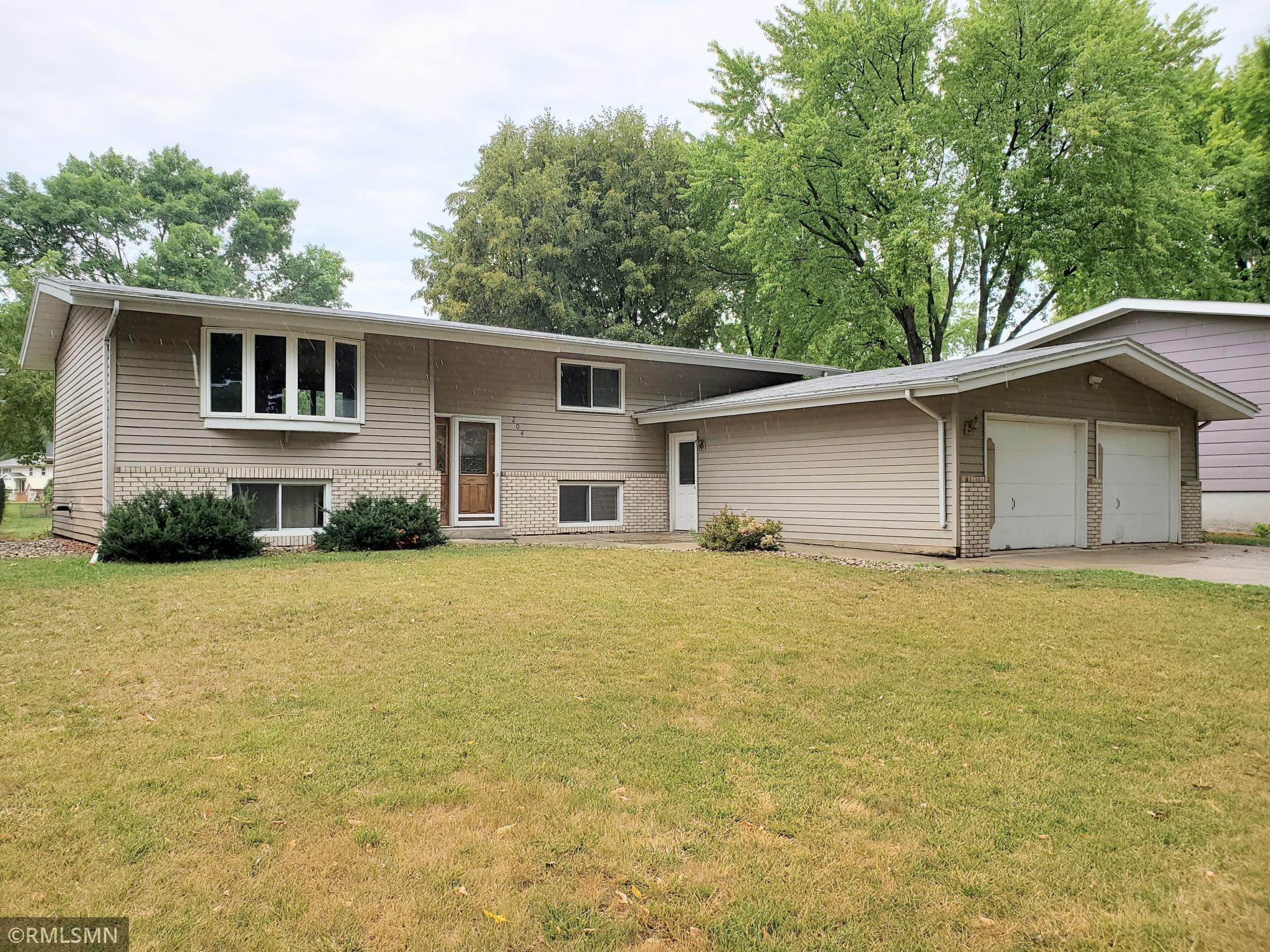 204 Deschepper Street Property Photo