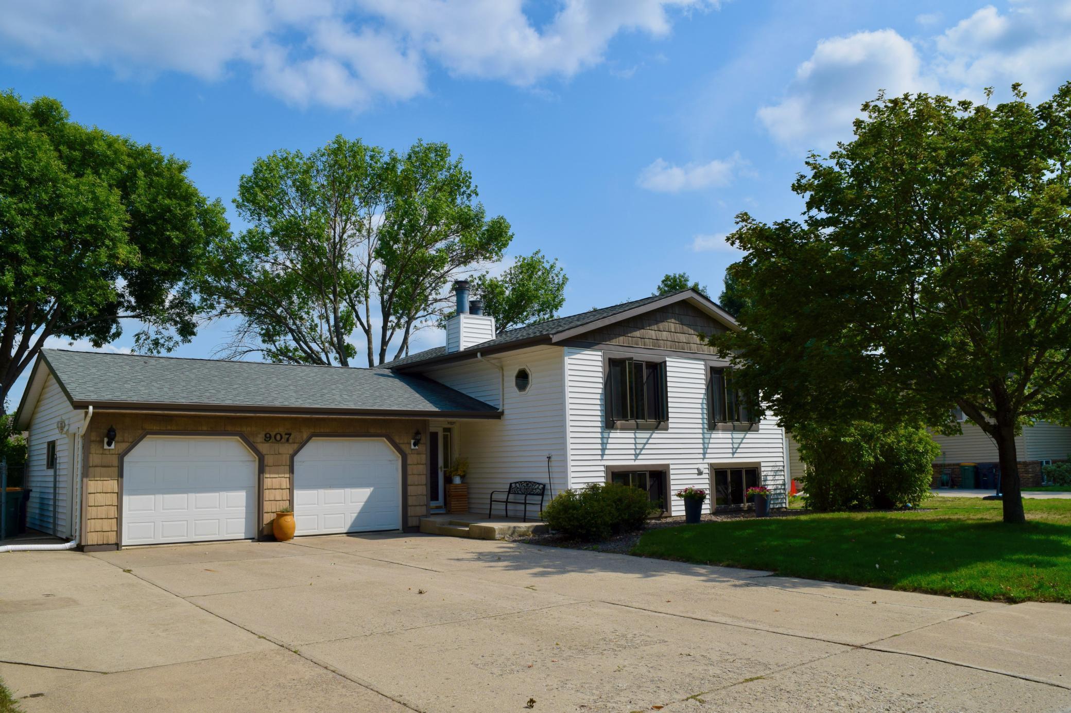 907 Woodfern Drive Property Photo