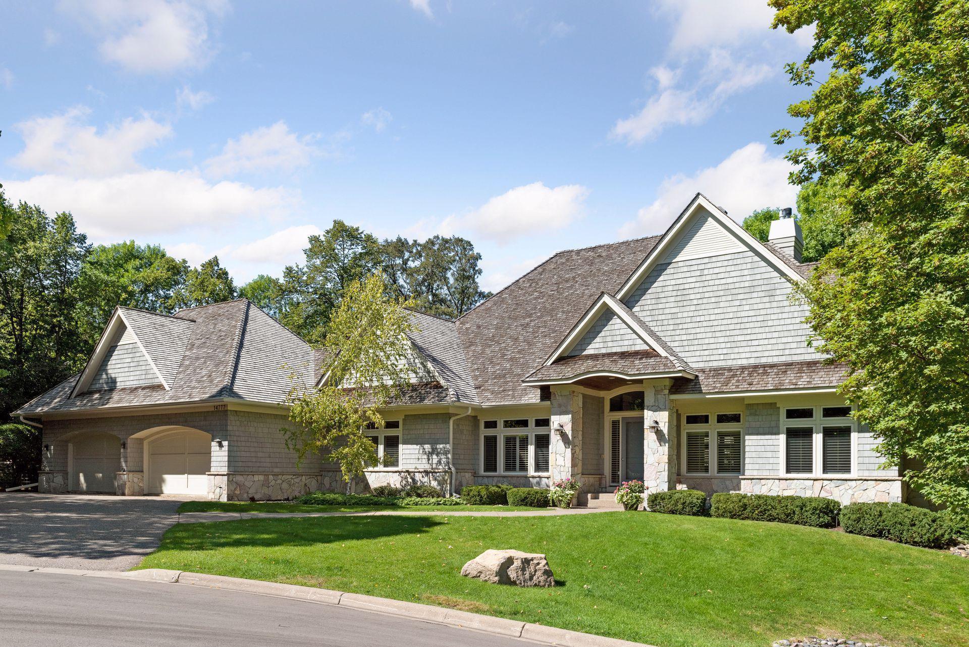 14777 Summer Oaks Drive Property Photo 1