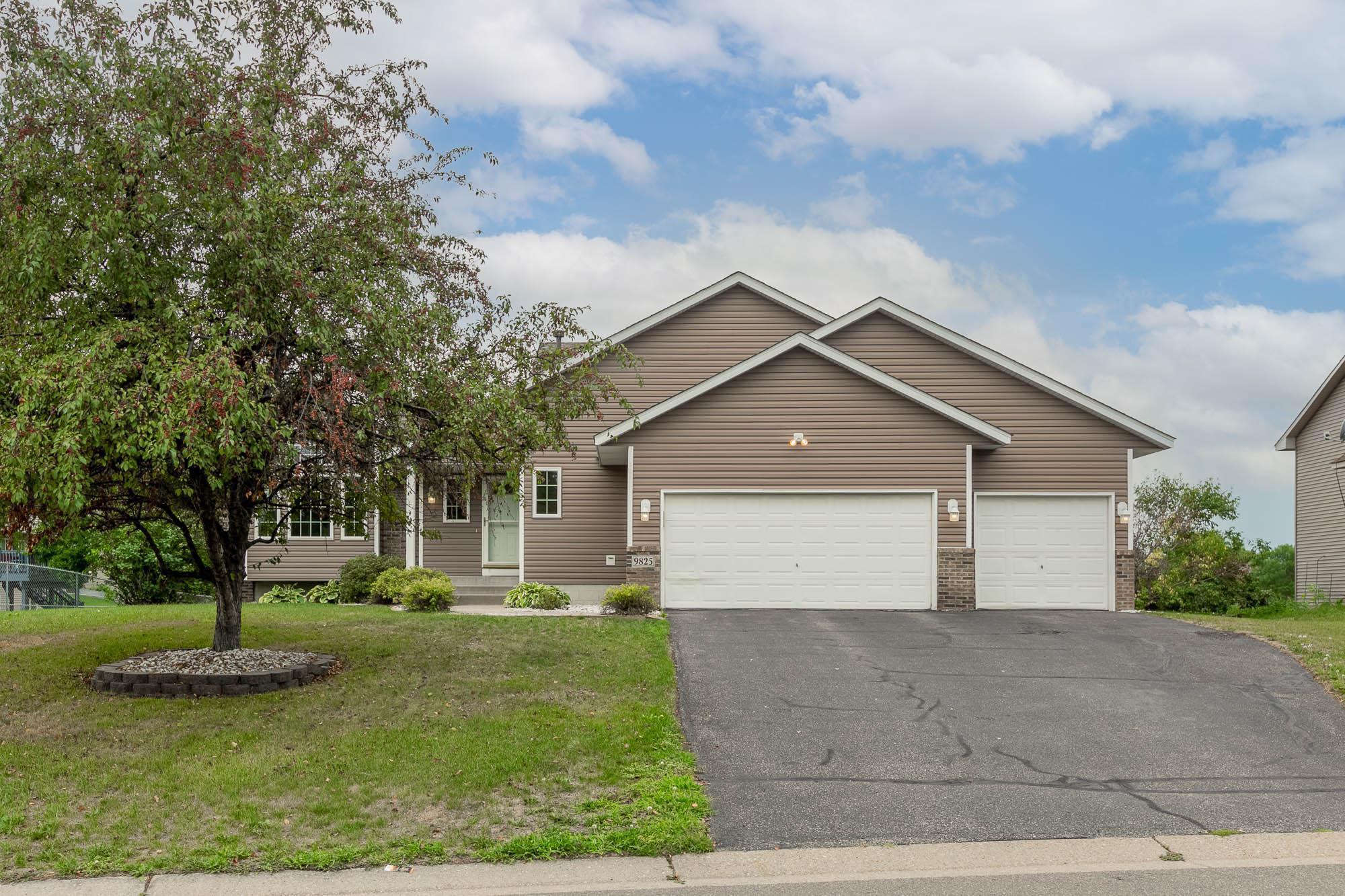 9825 Evergreen Avenue Property Photo