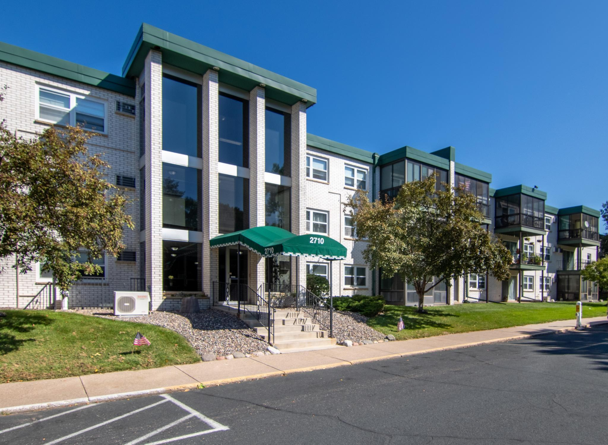 Apt Own No94 Ramsey Square Real Estate Listings Main Image