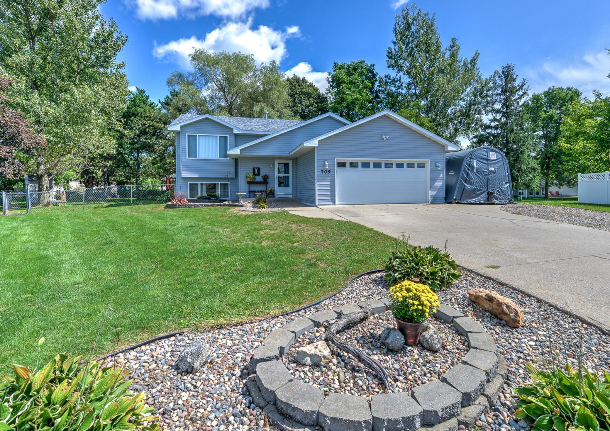 709 Lilac Drive Property Photo