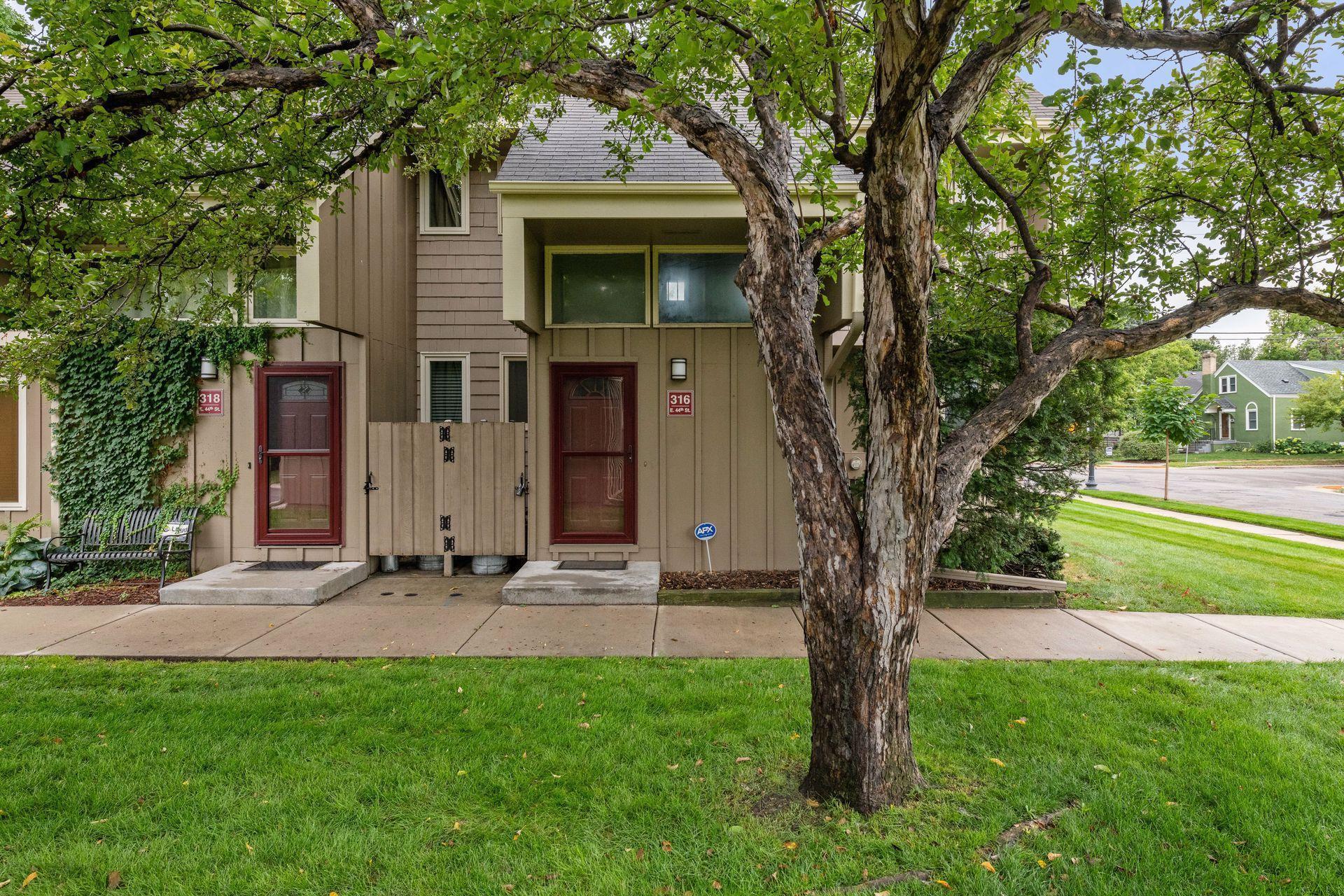 316 E 44th Street Property Photo