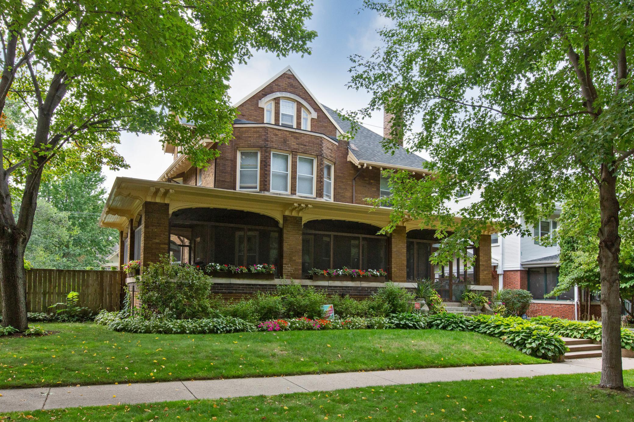 964 Lincoln Avenue Property Photo 1