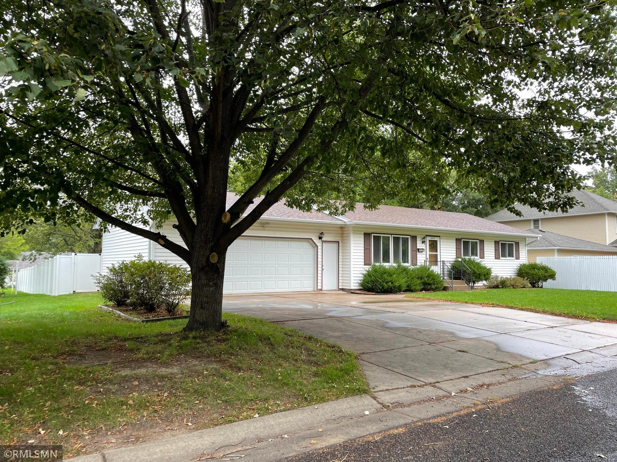 605 2nd Street Property Photo