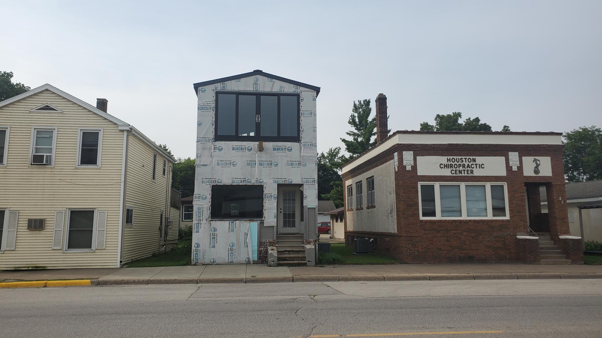 214 E Cedar Street Property Photo 1