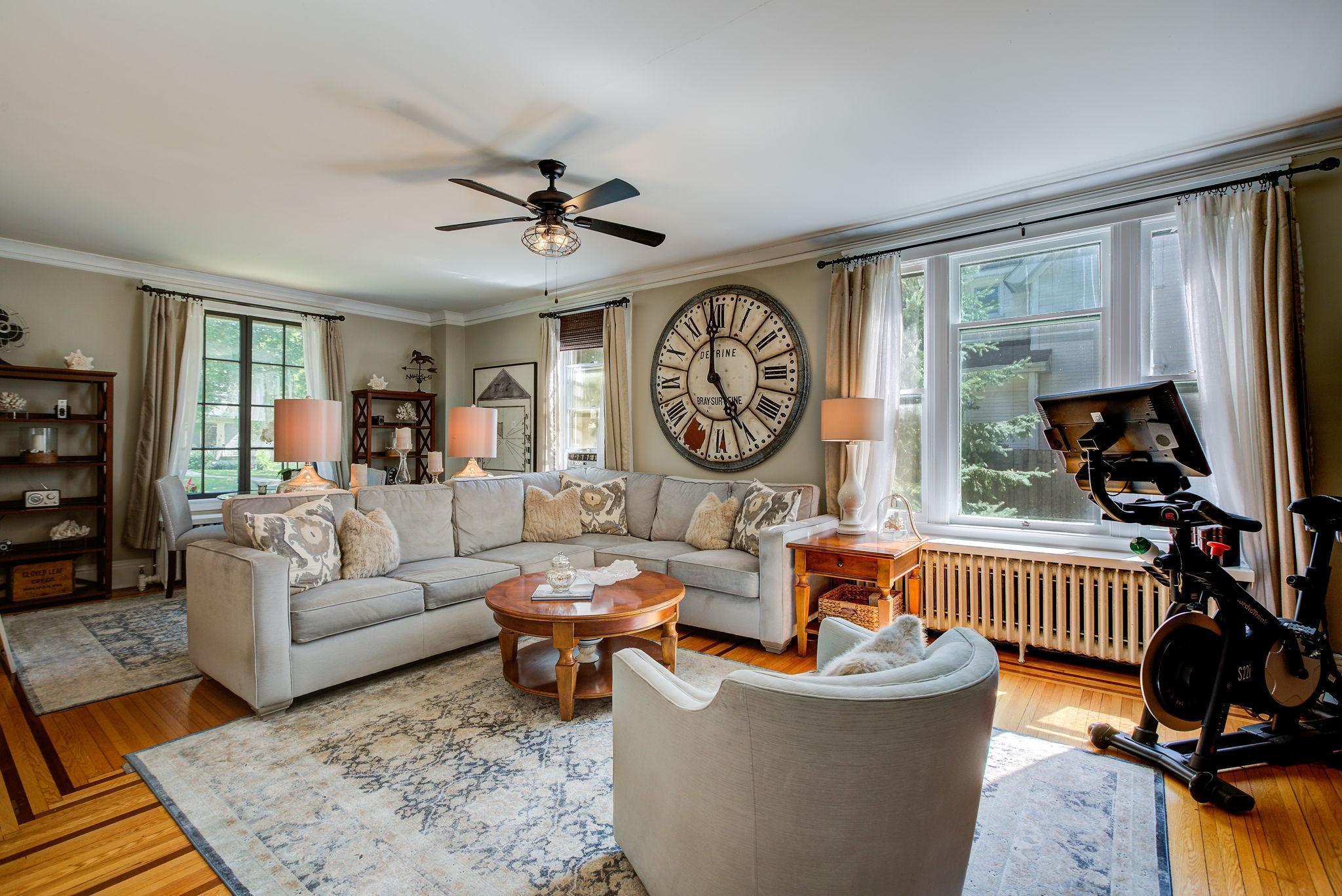 2424 Pleasant Avenue Property Photo