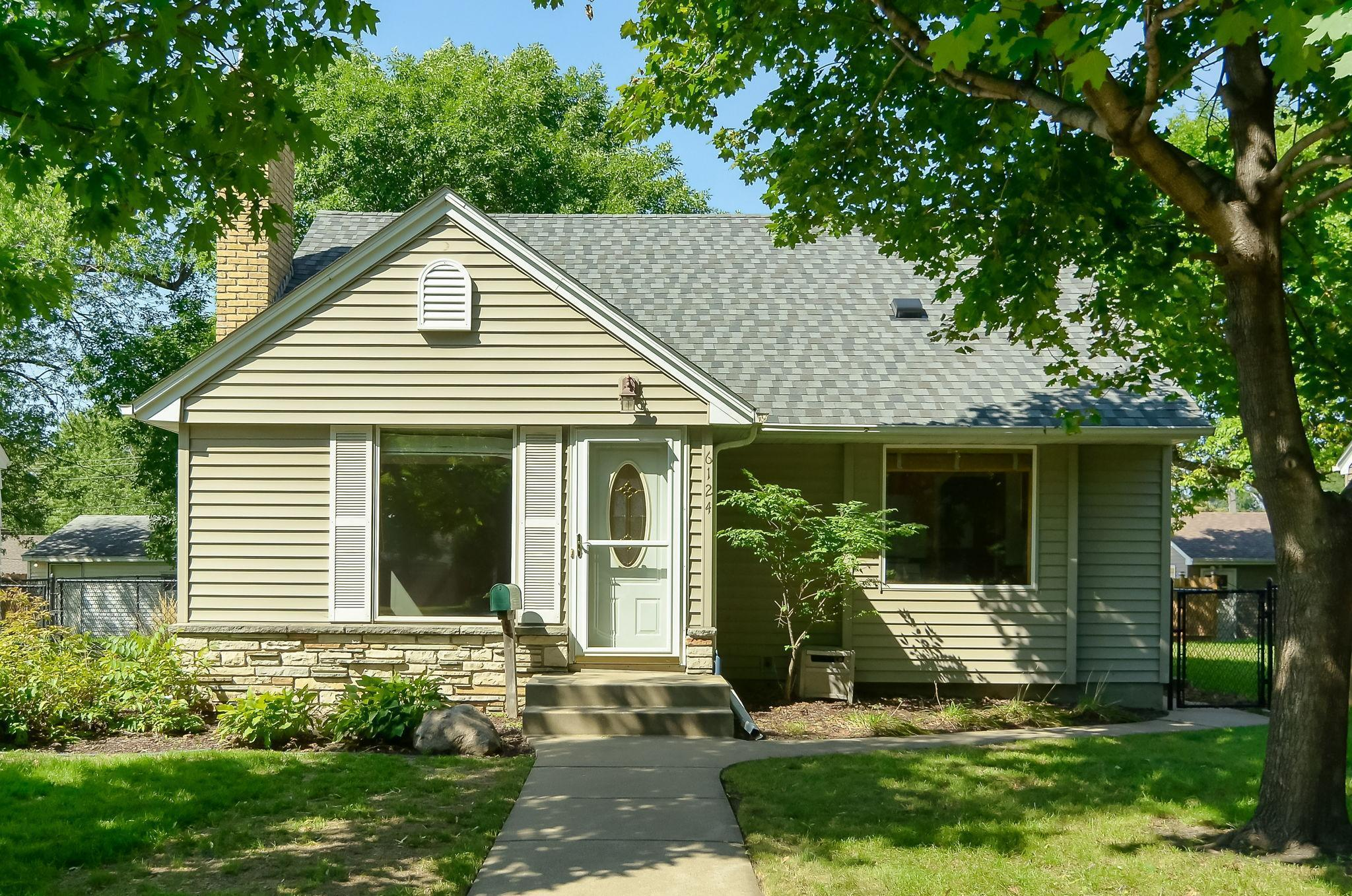 6124 Queen Avenue Property Photo