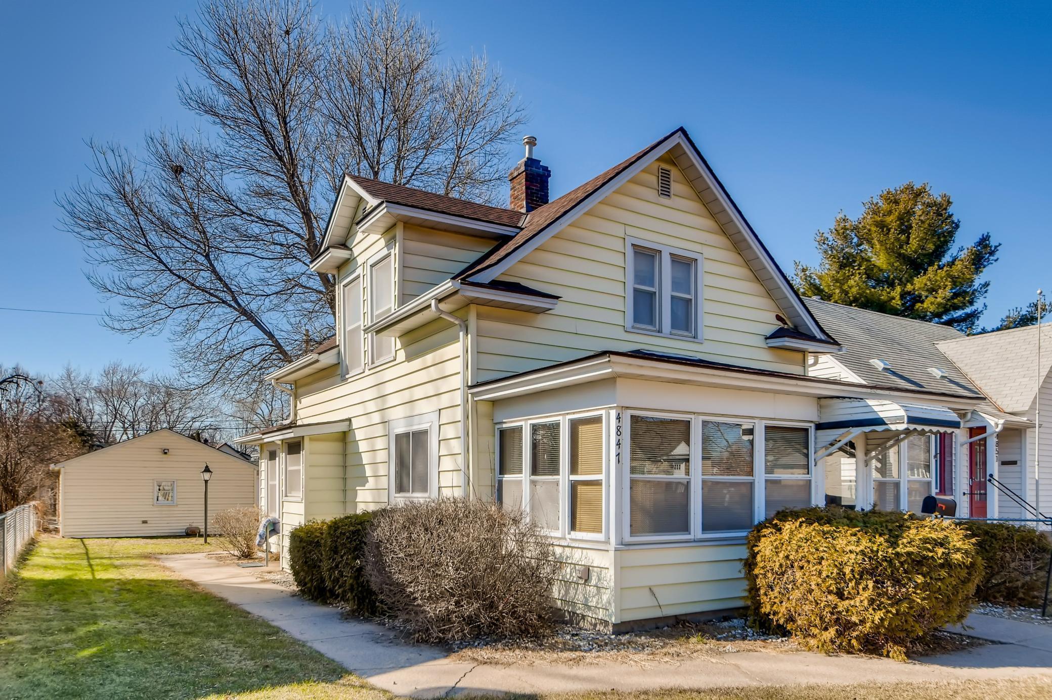 4847 Camden Avenue Property Photo