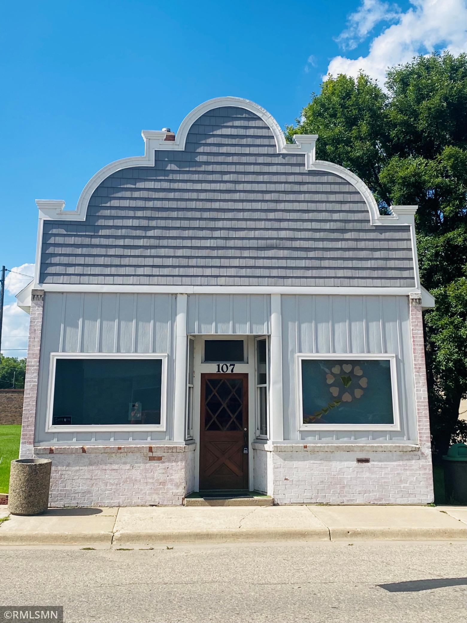 107 E 5th Street Property Photo