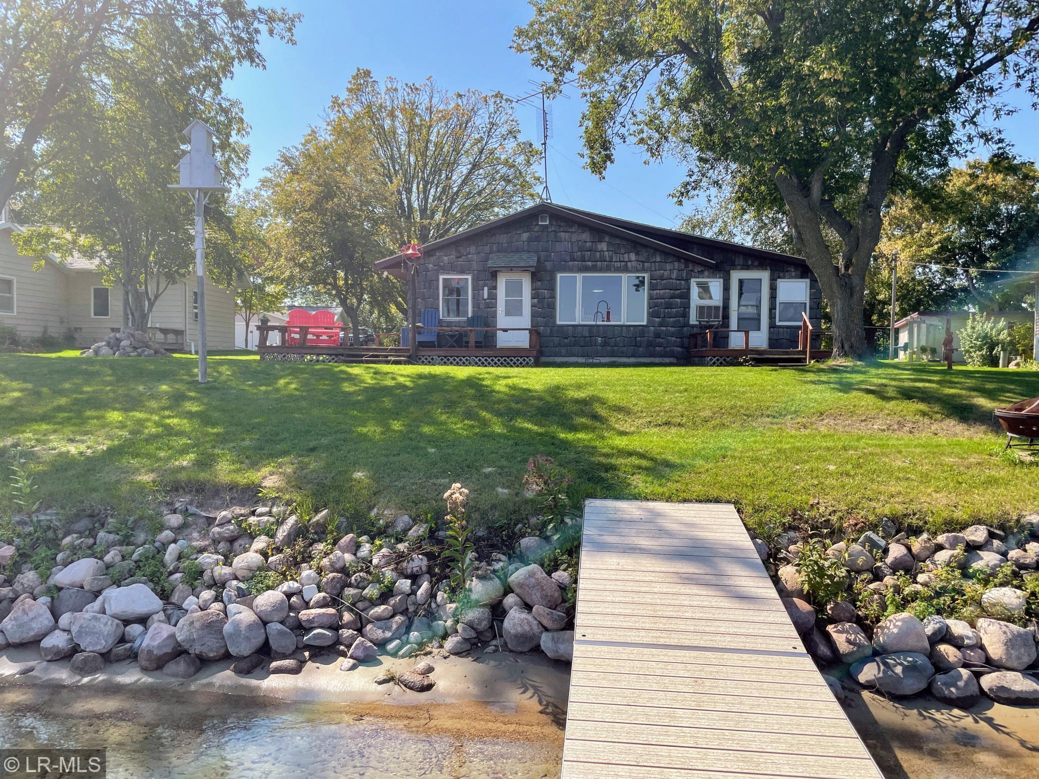 36197 S Rose Lake Road Property Photo 1