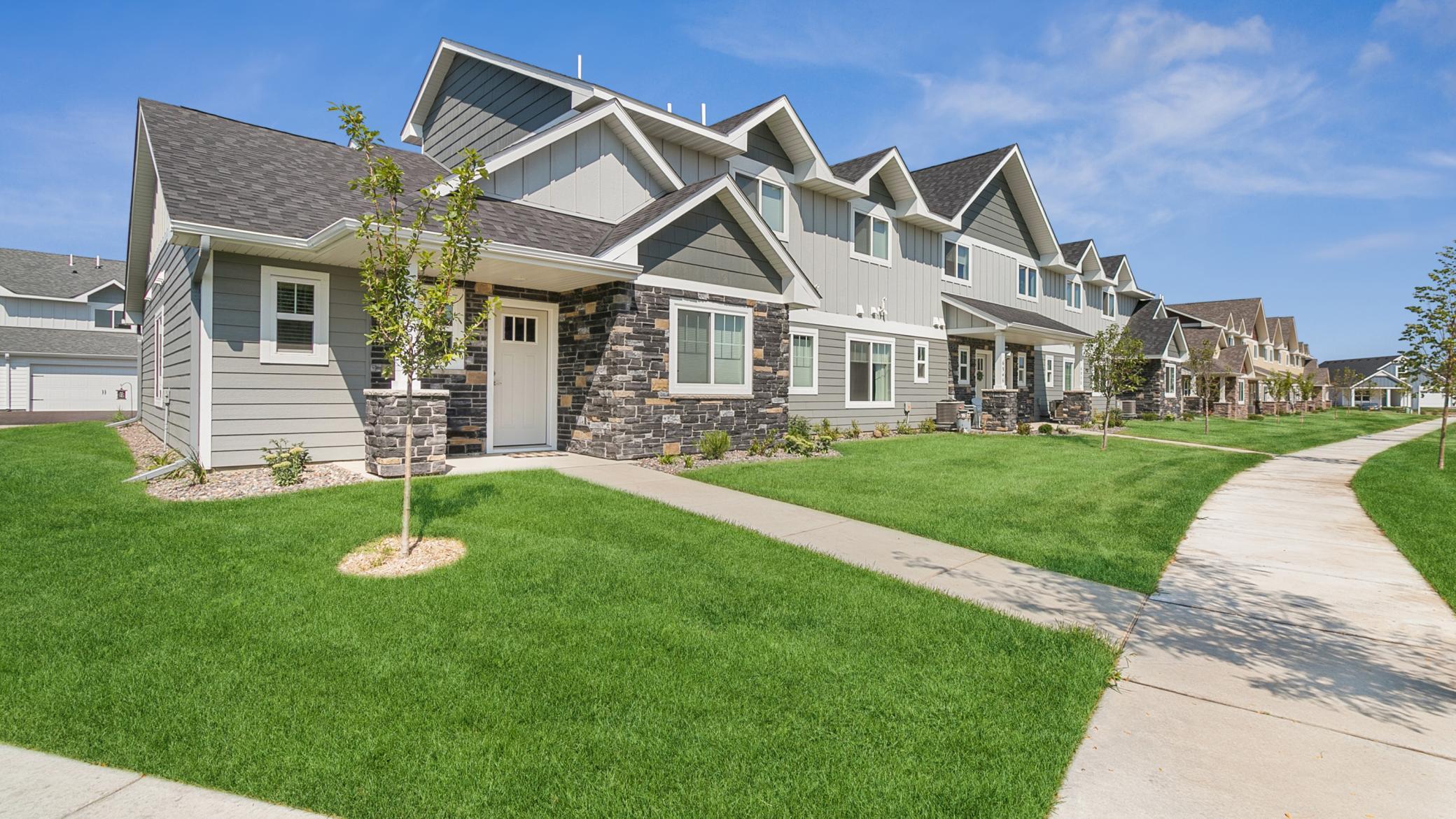 6999 Linwood Drive Property Photo