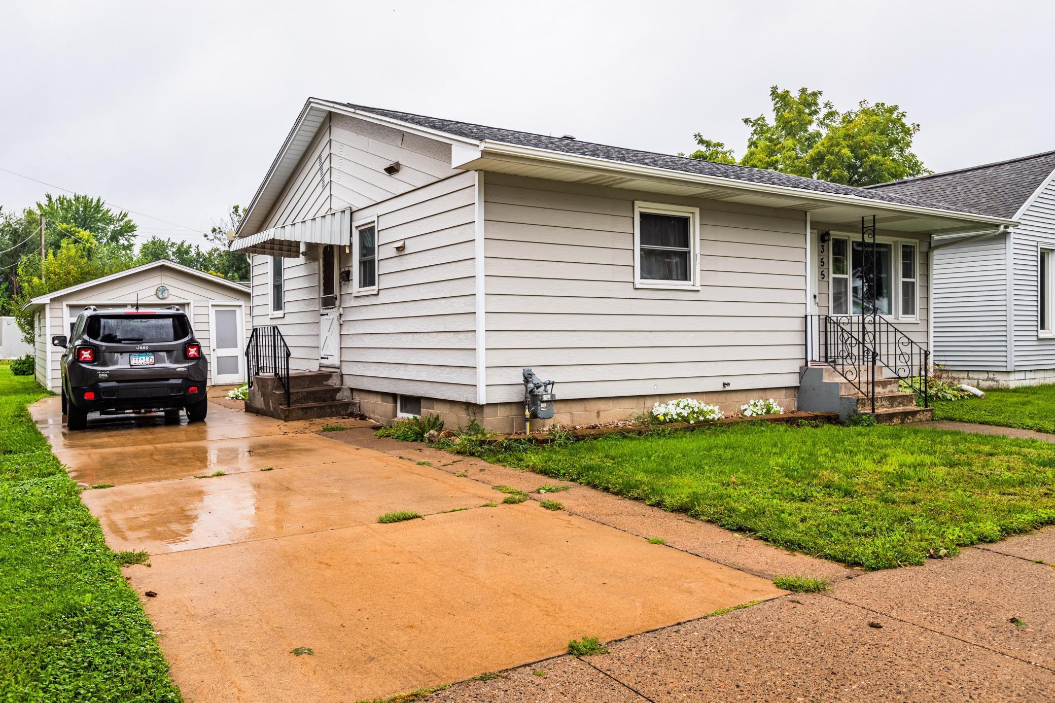 355 W Mark Street Property Photo 1