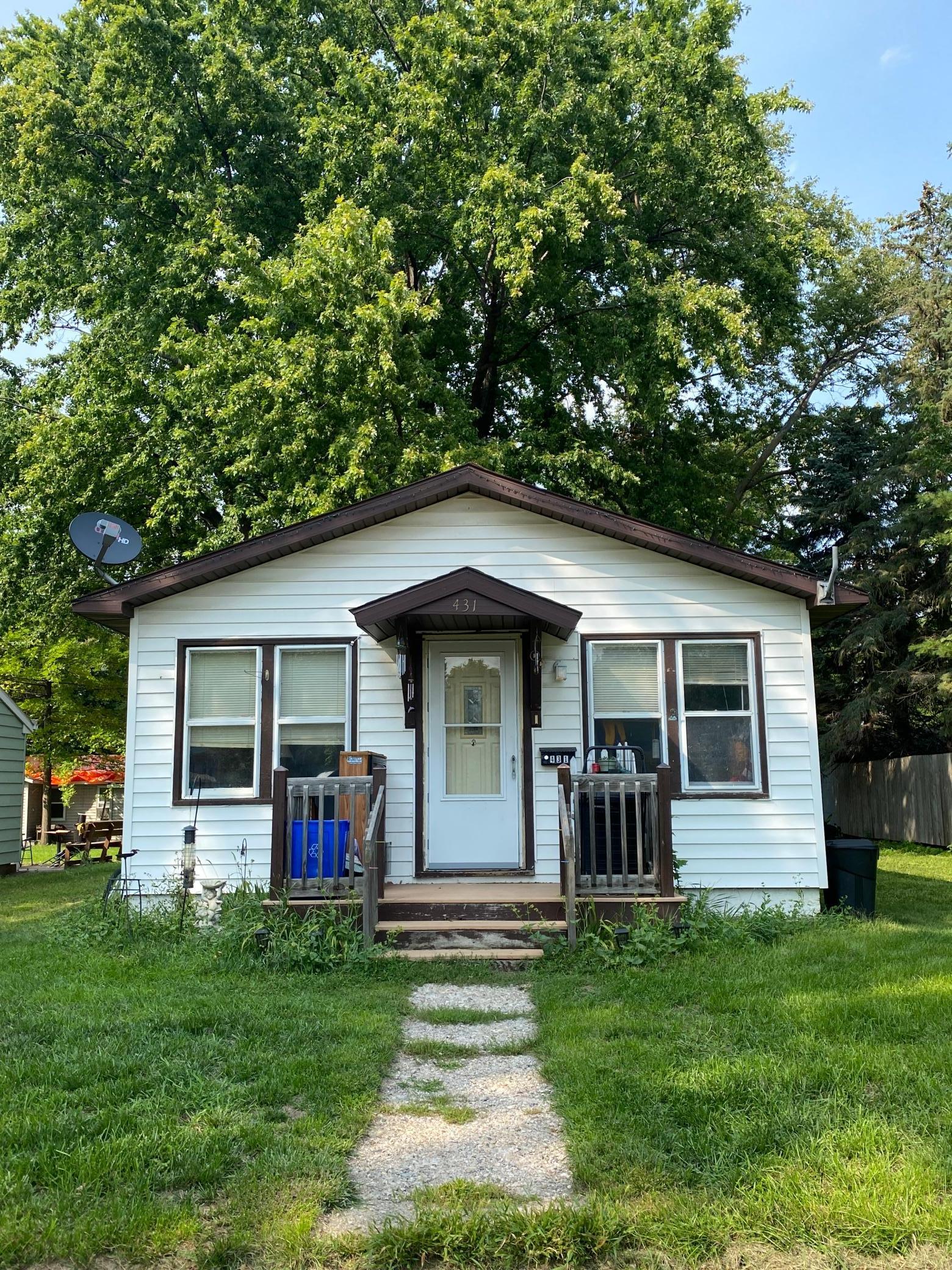 431 E Ronning Avenue Property Photo