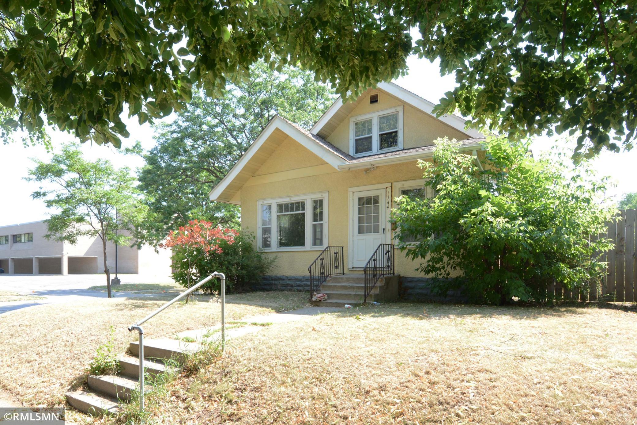 1344 Knox Avenue Property Photo